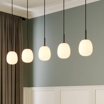 Lindby Etiena -riippuvalo, 5-lamp., lasi, opaali
