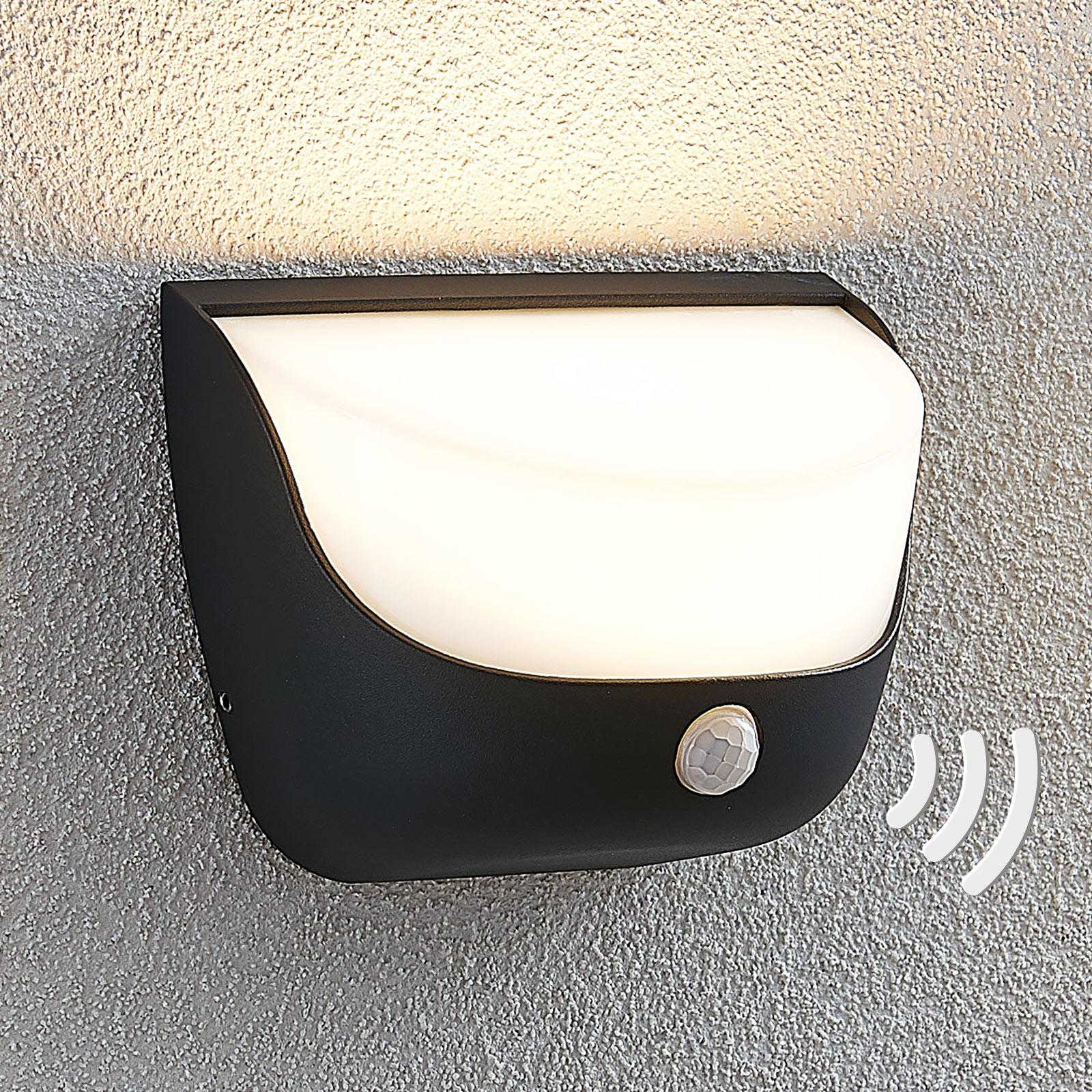 LED-Außenwandleuchte Aremia mit Bewegungsmelder