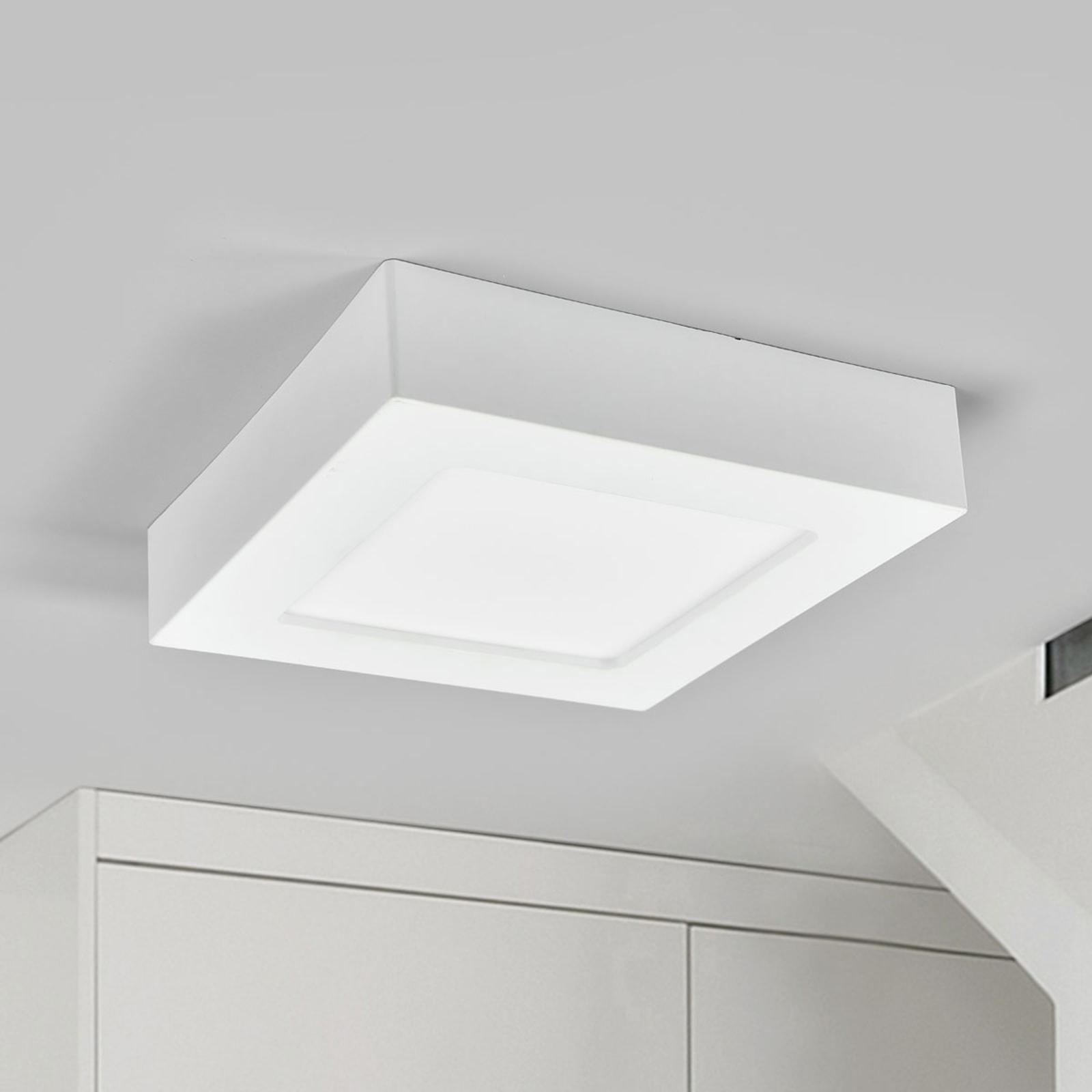 Plafonnier LED Marlo blanc 4000K angulaire 18,1cm