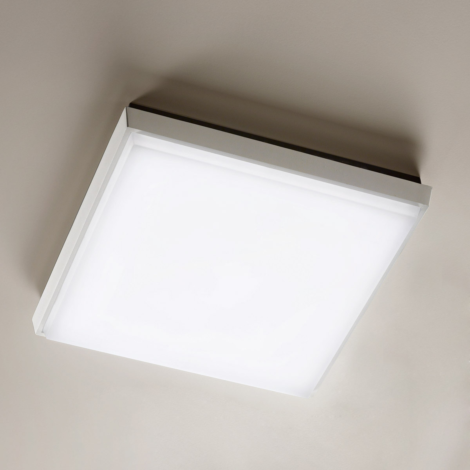 Prostokątna lampa sufitowa zewnętrzna LED Desdy