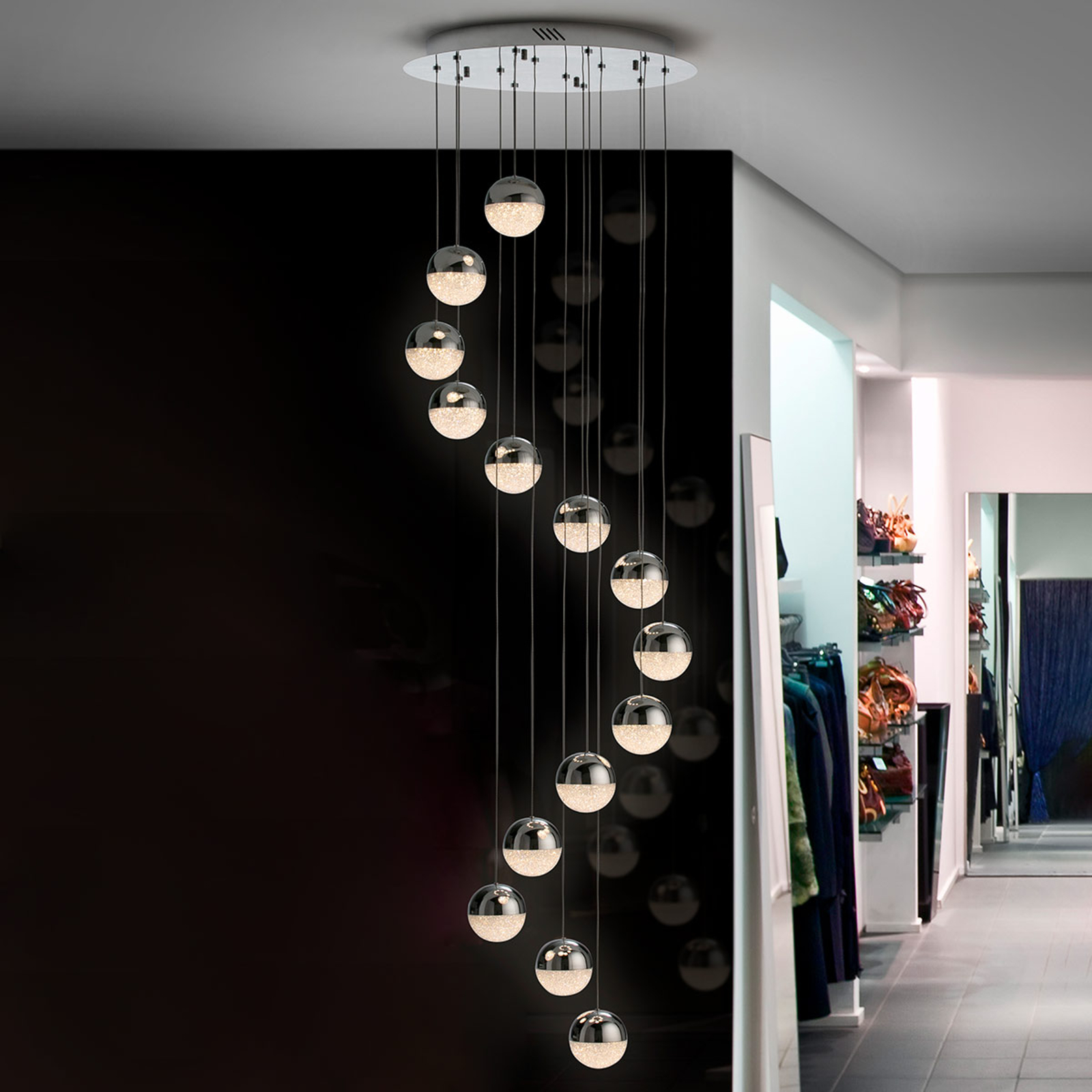 LED-pendellampa Sphere, 14 lampor, krom