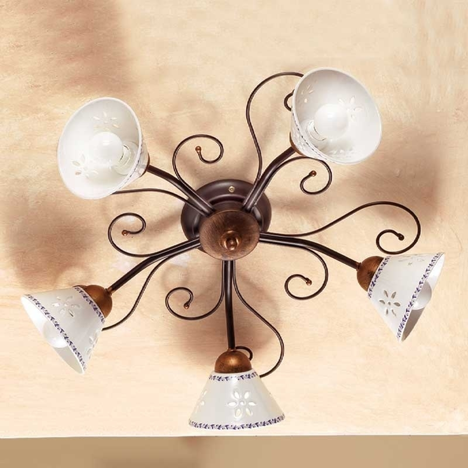 Romantyczna lampa sufitowa LIBERTY