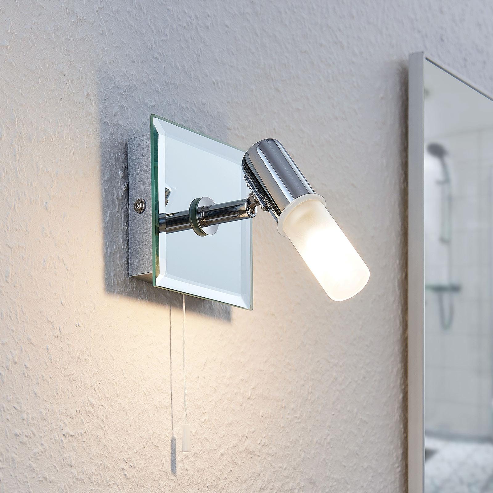 Vägglampa Zela, badrumslampa med dragströmbrytare