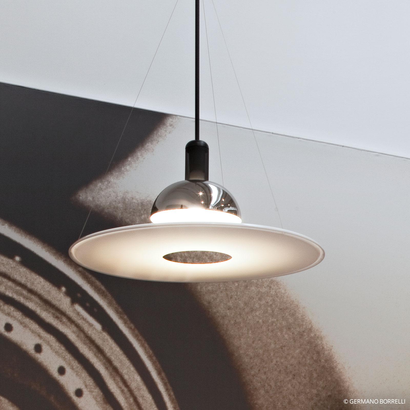 FLOS Frisbi - závěsná lampa s bílým diskem