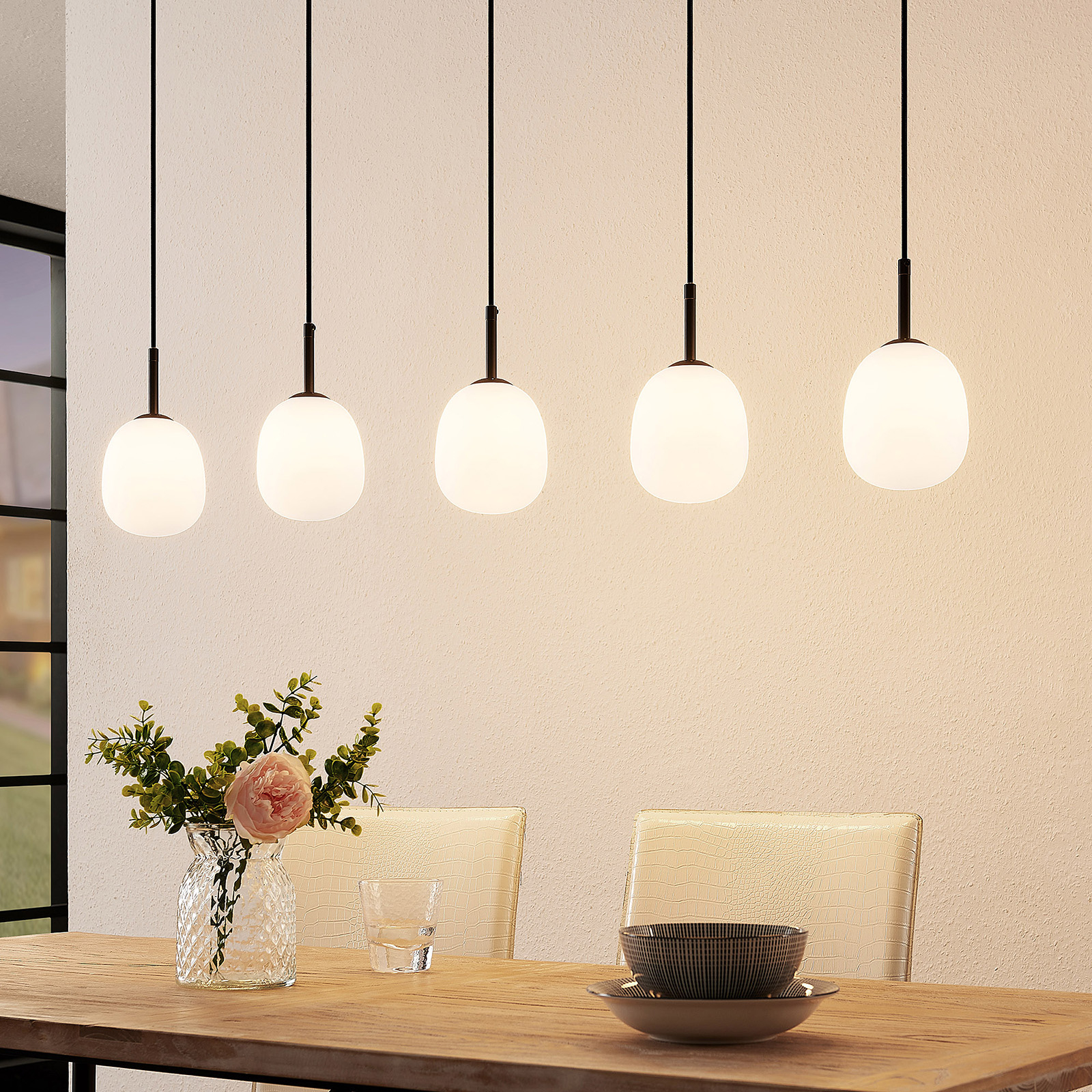 Lindby Etiena hanglamp, 5-lamps, glas opaal