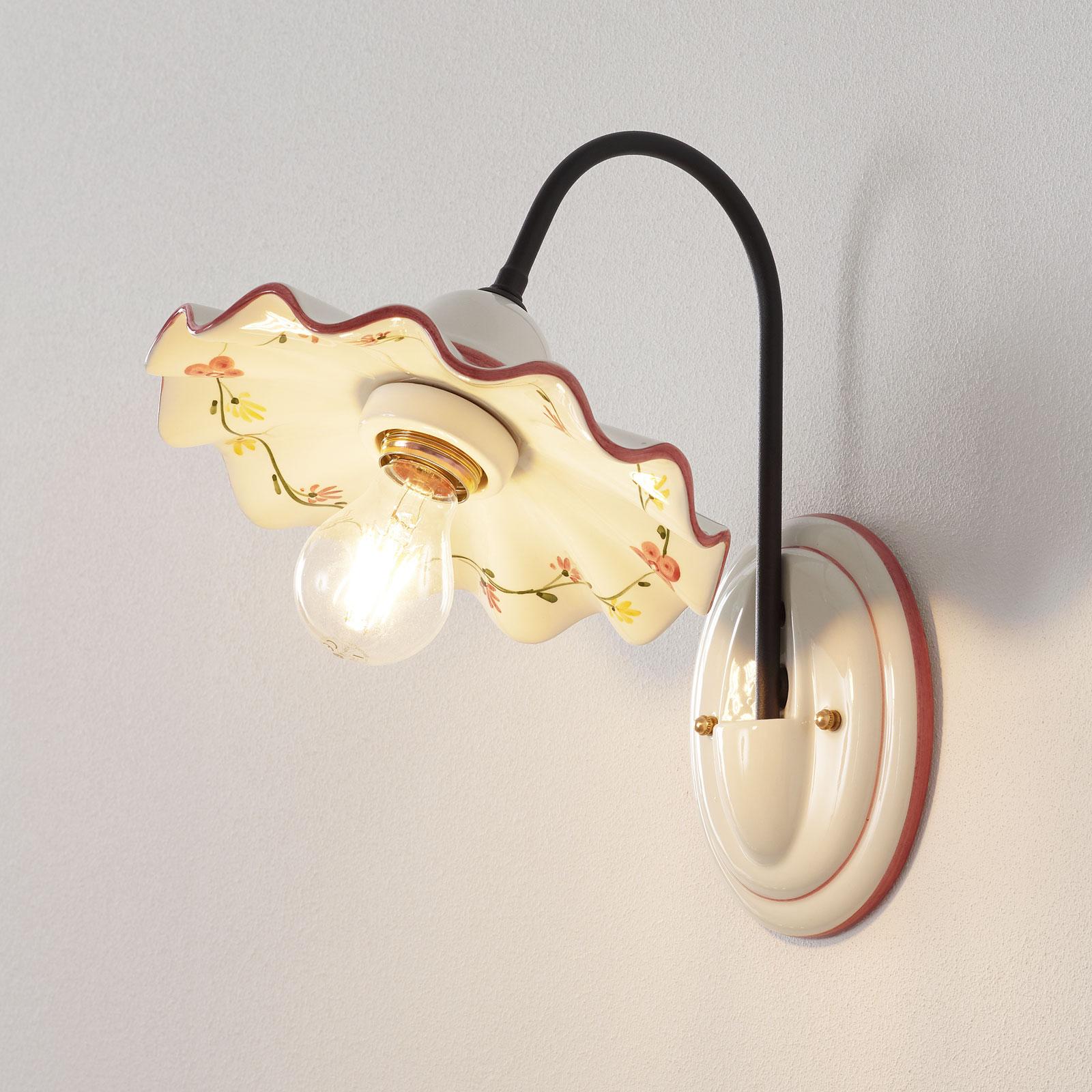 Keramieken wandlamp Ametista met ijzeren arm