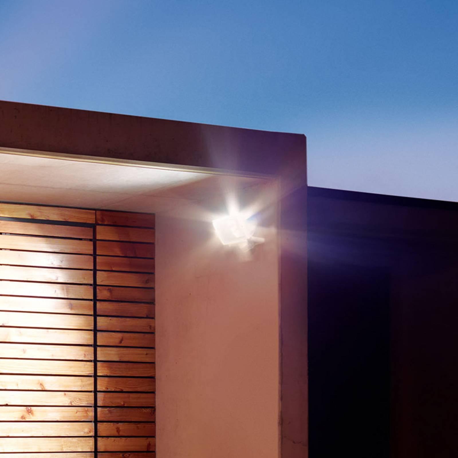 STEINEL LED reflektory a svítidla s bodcem do země