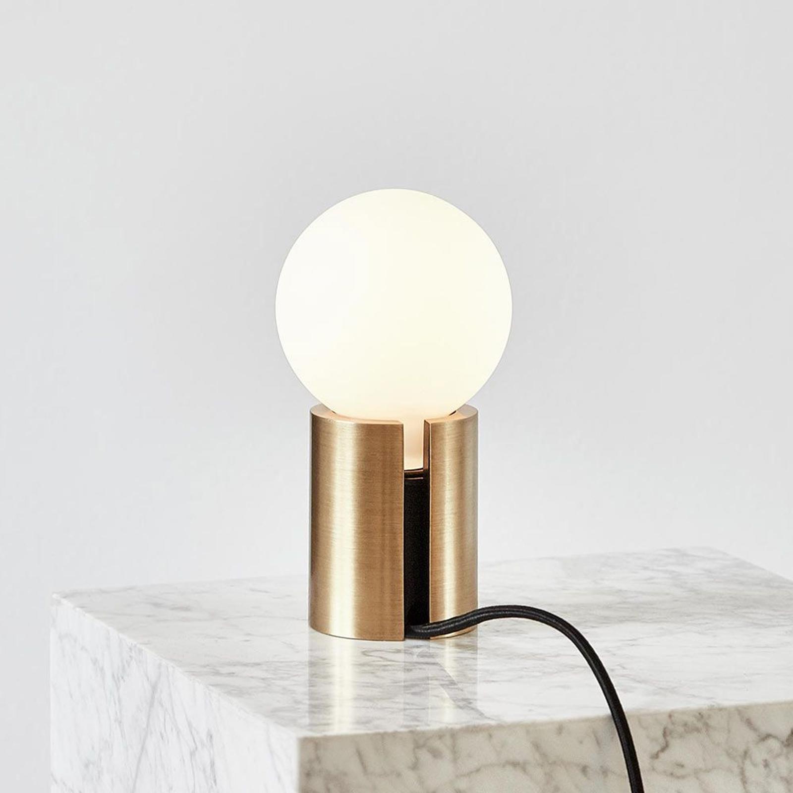 Menu Socket Occasional lampa stołowa z mosiądzu