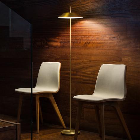 Mayfair - een decoratieve led vloerlamp in goud