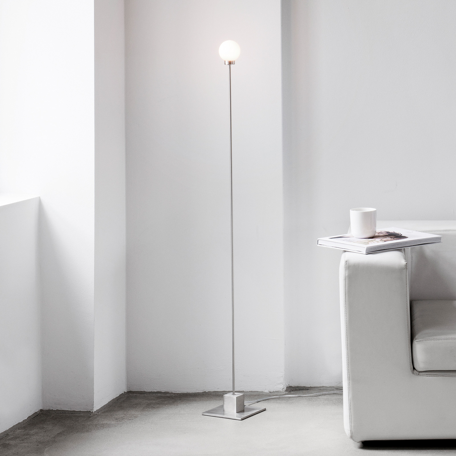 Northern Snowball vloerlamp, staal