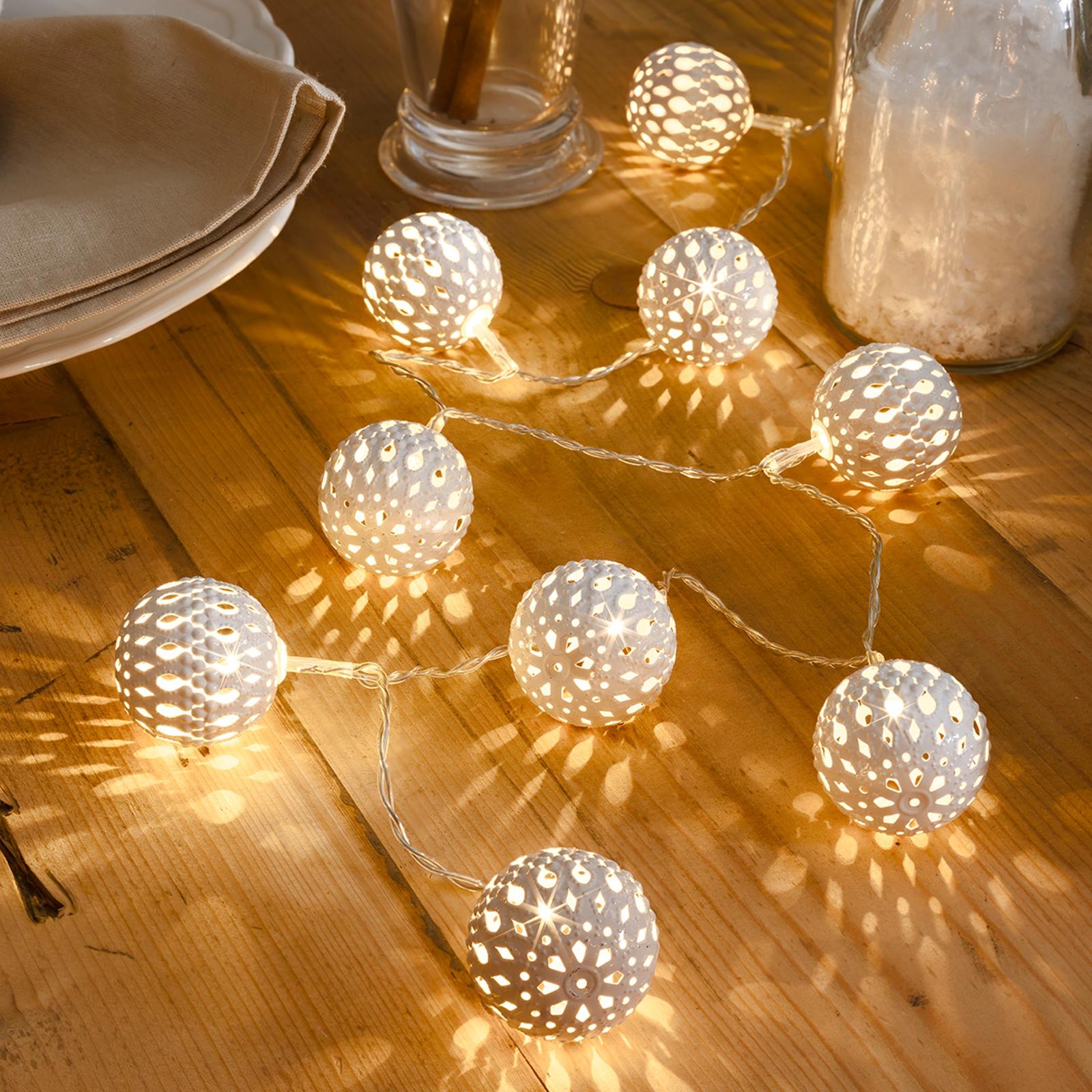 Zehnflammige LED-Lichterkette Metallkugel weiß