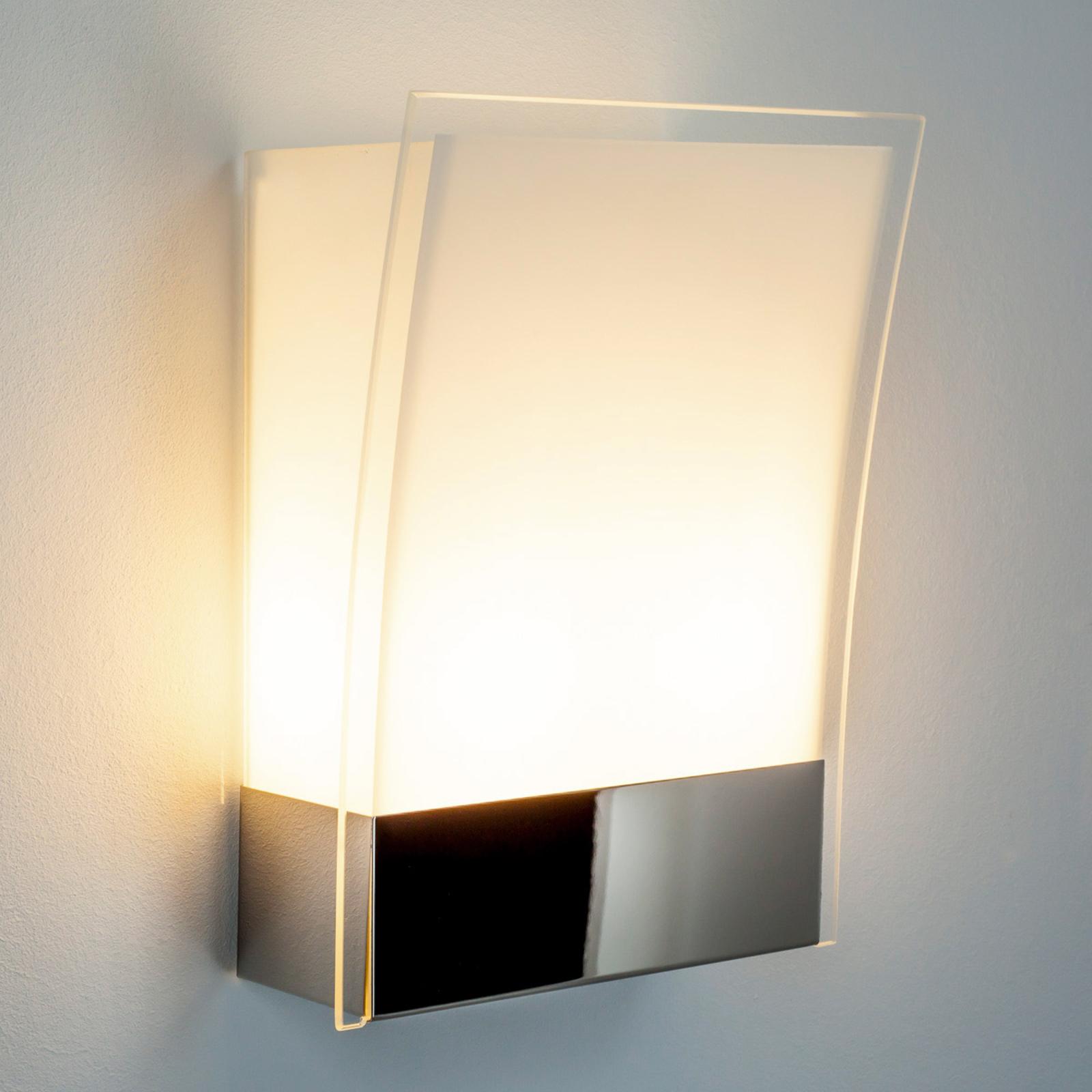 Malthe - moderne vegglampe i glass og metall.