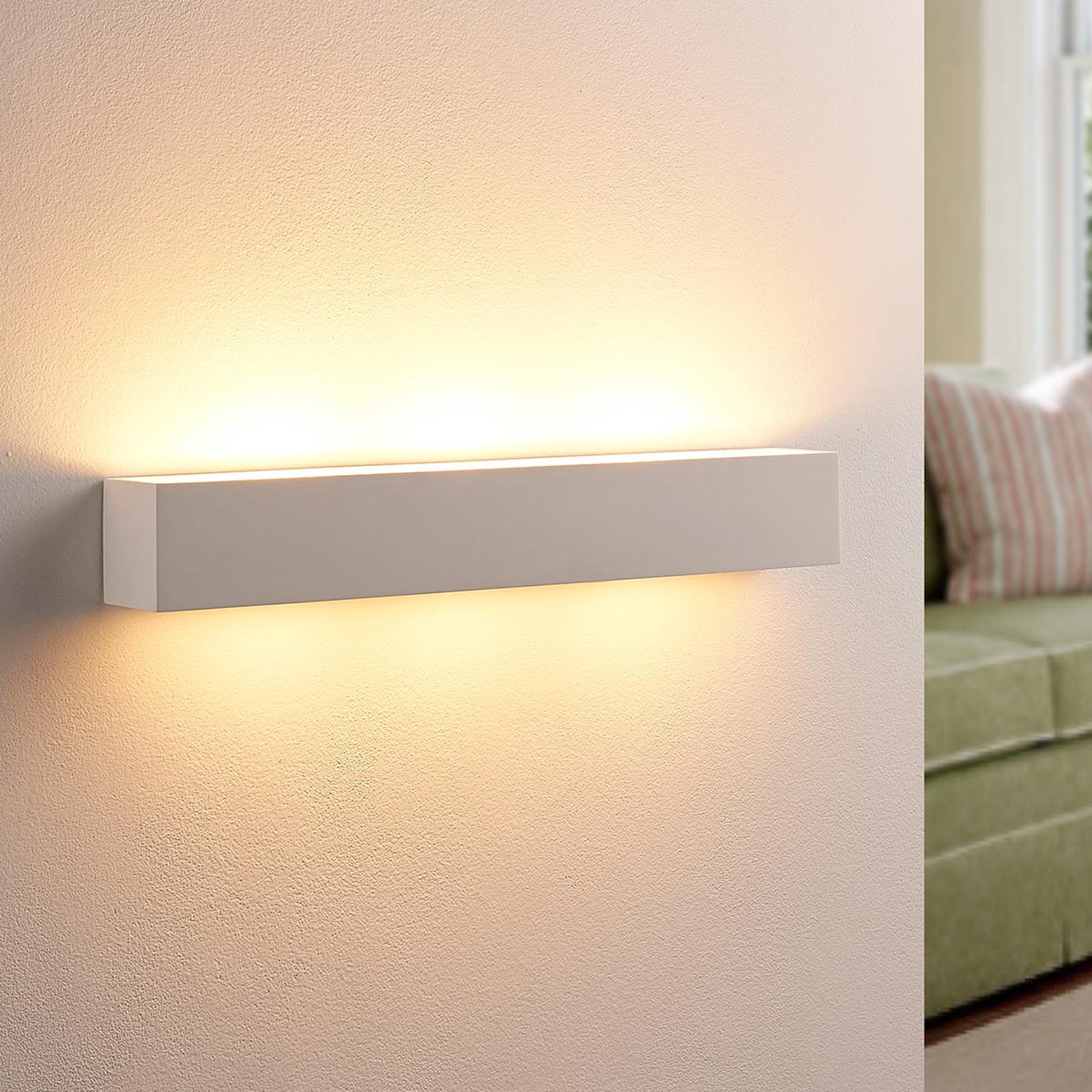 Tjada - avlång LED-vägglampa av gips