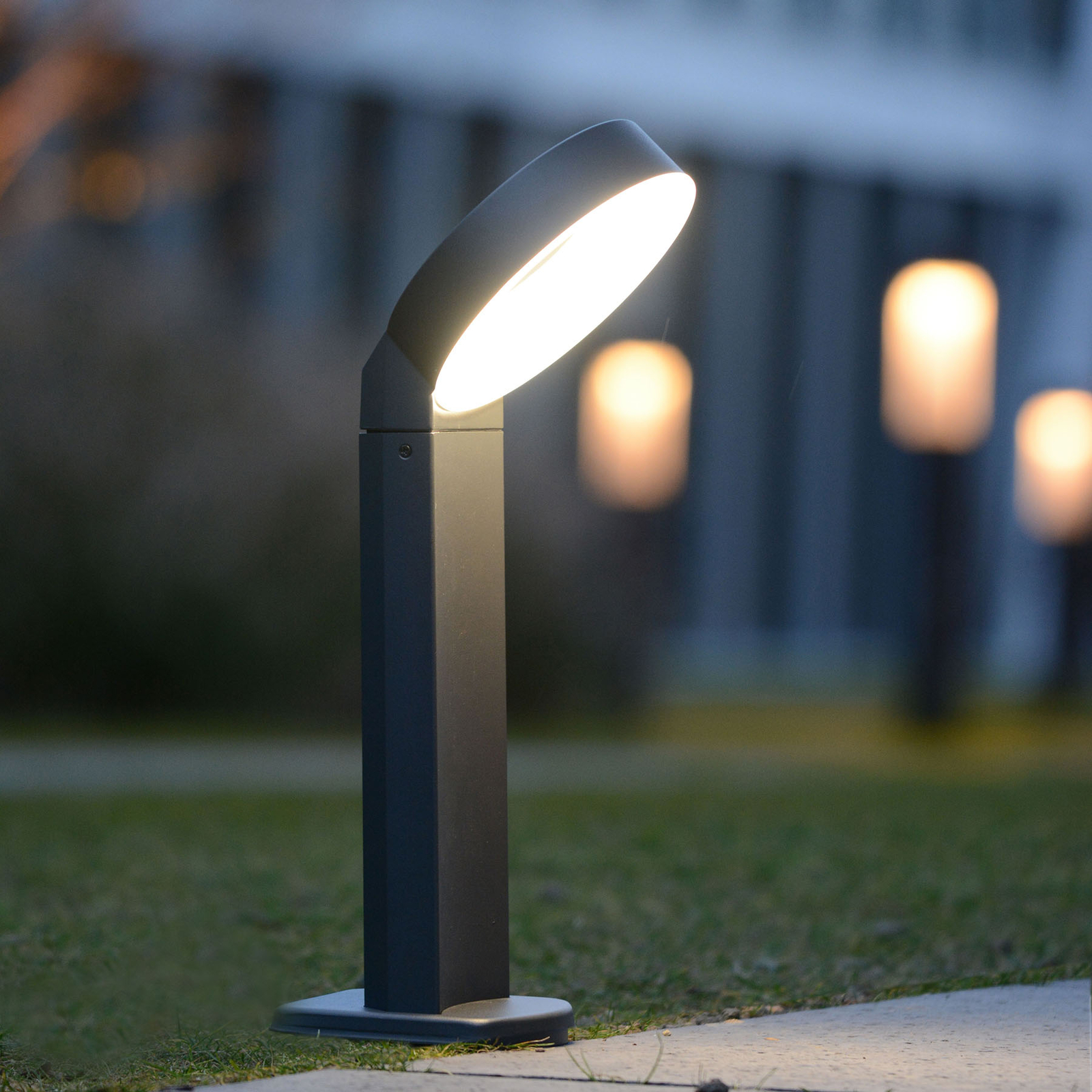 LED-Sockelleuchte Meridian mit ringförmigem Kopf