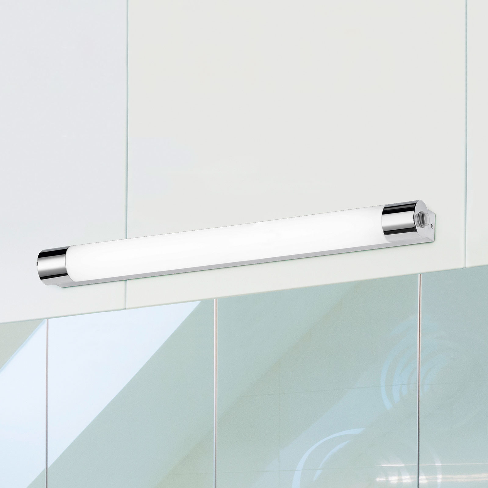 Paulien - LED wandlamp IP44 met stopcontact