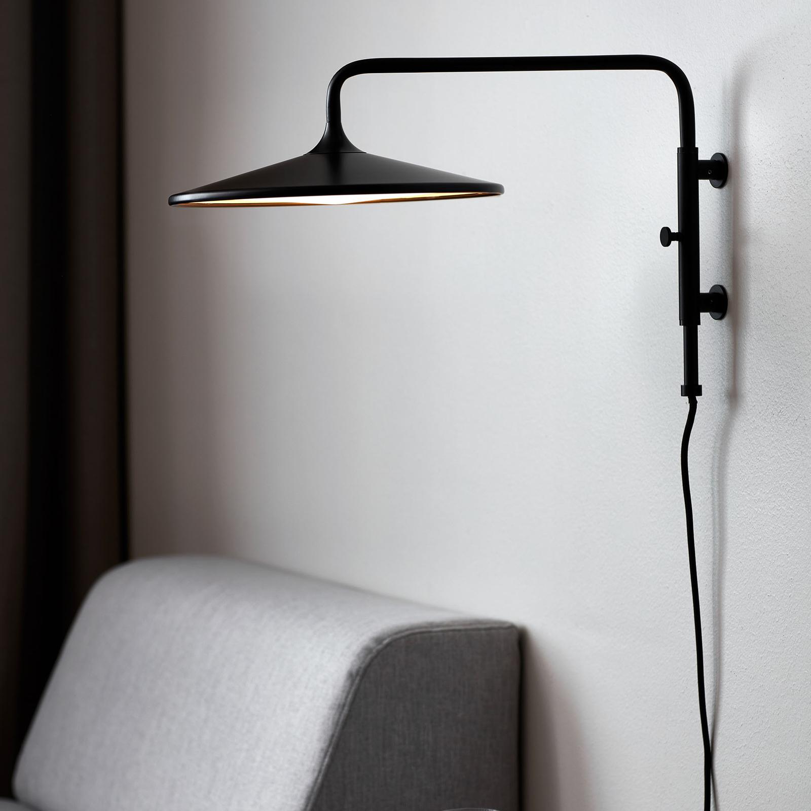 LED-vegglampe Balance med dimmer