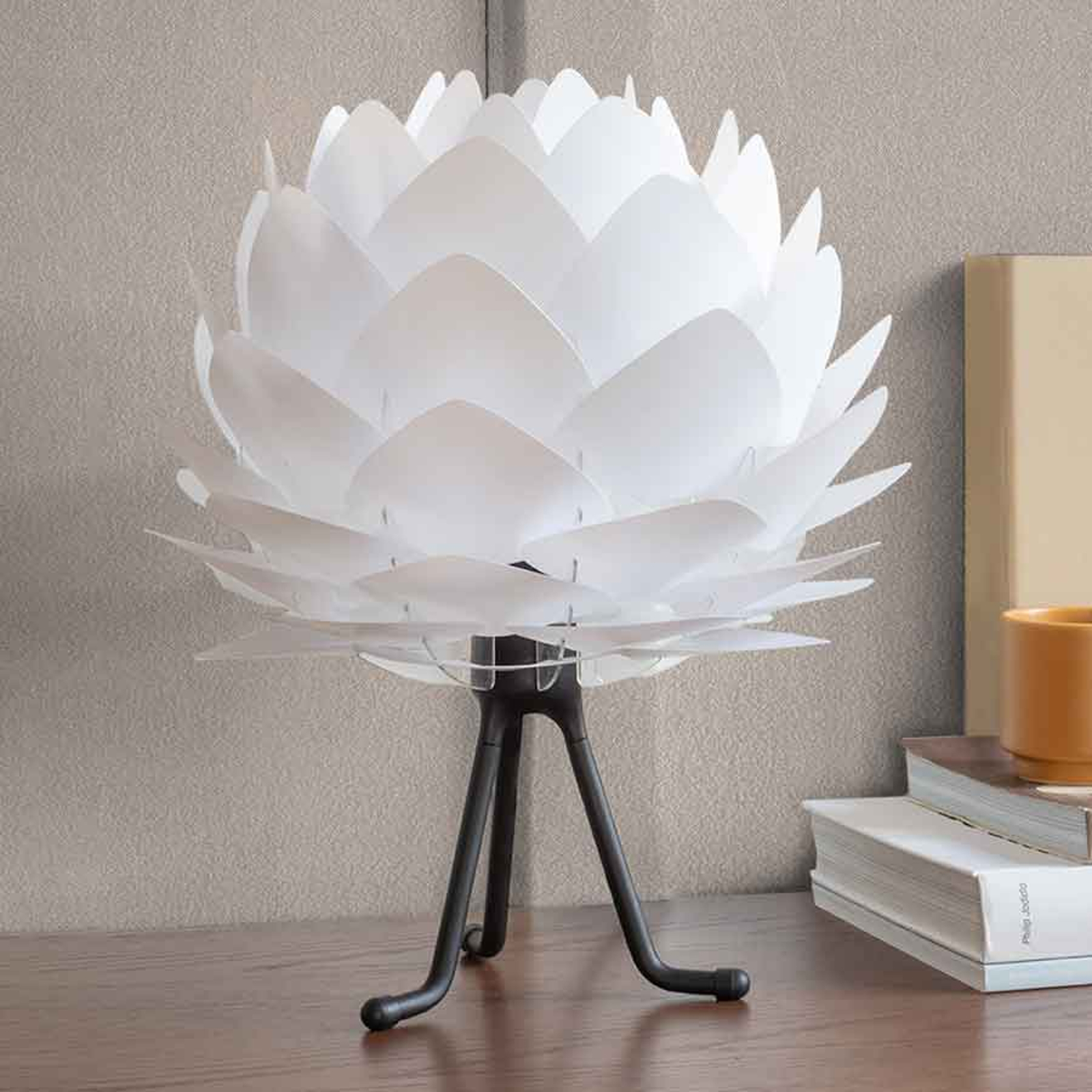 UMAGE Silvia Mini tafellamp wit/tripod zwart