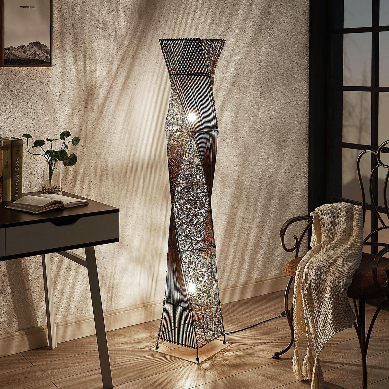 Rotan vloerlamp Kassia voor gezellig licht