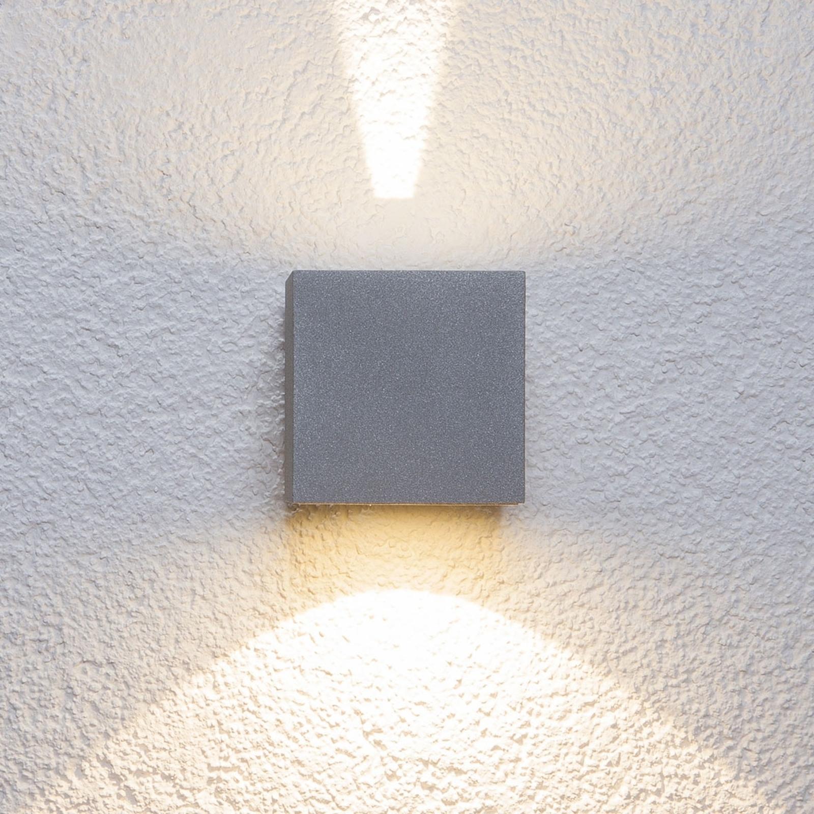 Zilveren led-buitenwandlamp Jarno, kubus