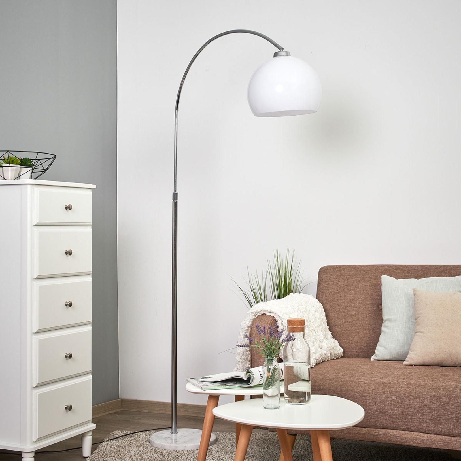 Lampada Sveri con base di marmo e schermo bianco