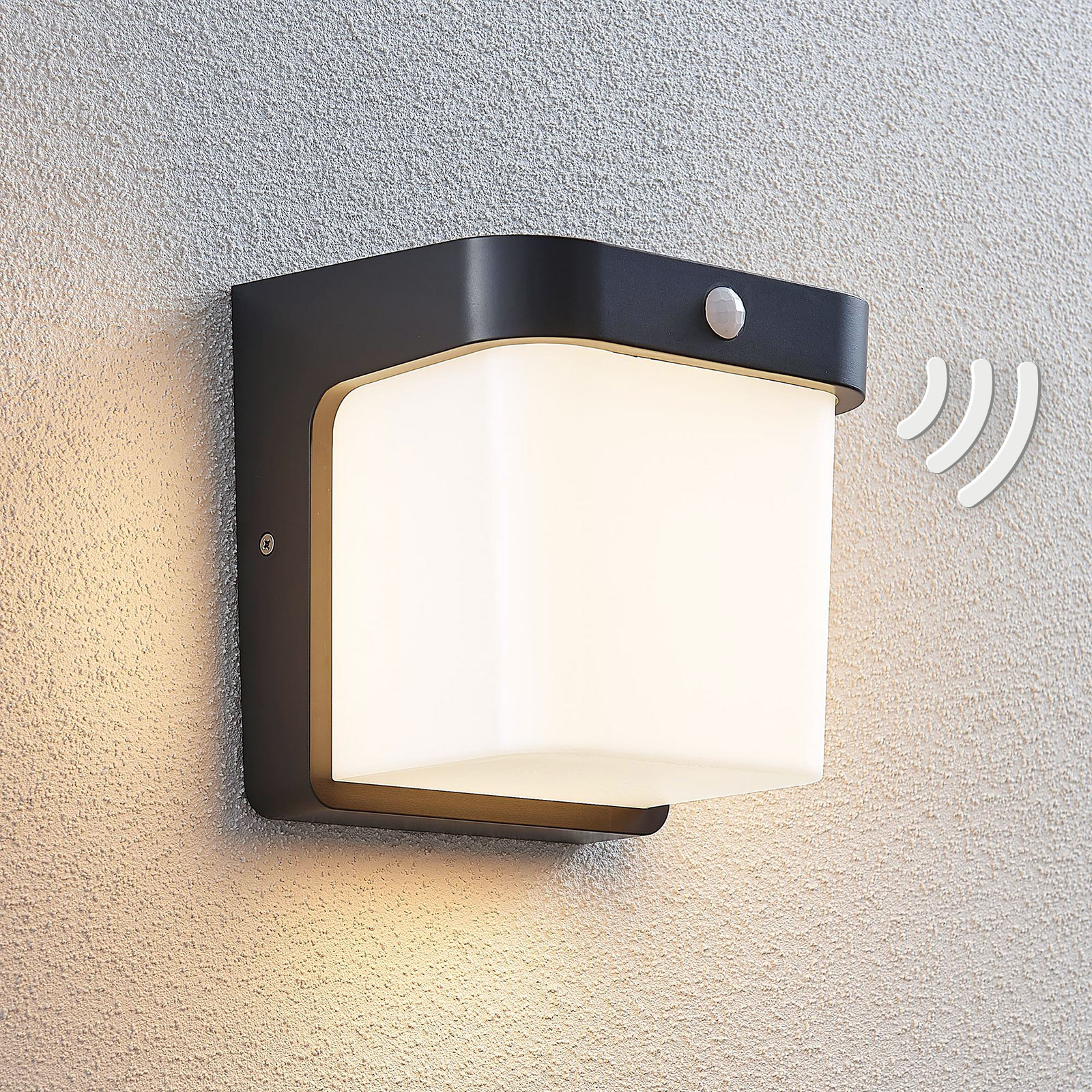 LED-ulkoseinälamppu Adenike anturilla