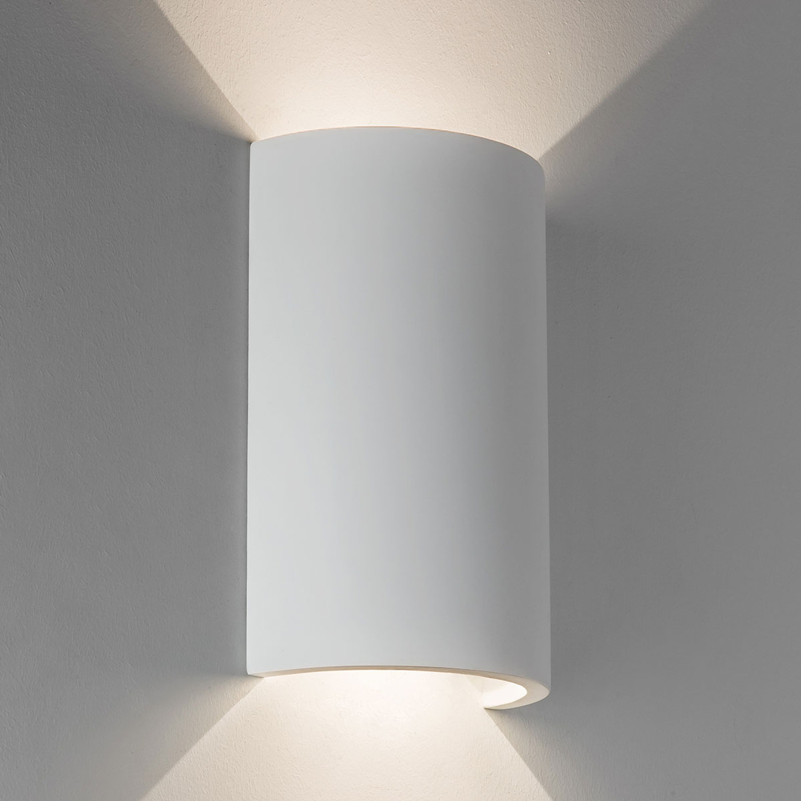 LED-vegglampe Serifos 170 i gips, kan males