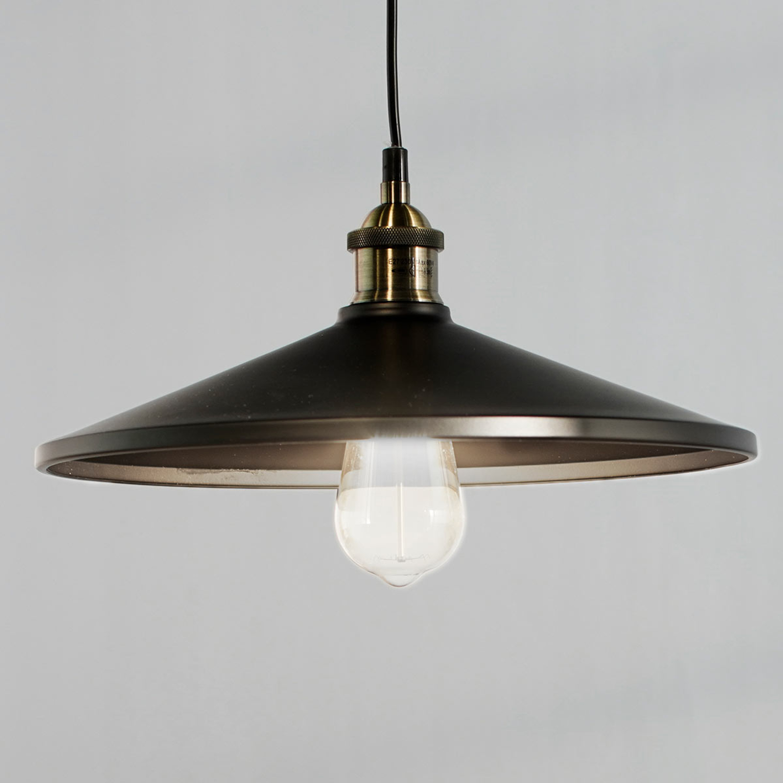 VIKTOR - lampa wisząca z aluminium, czarna