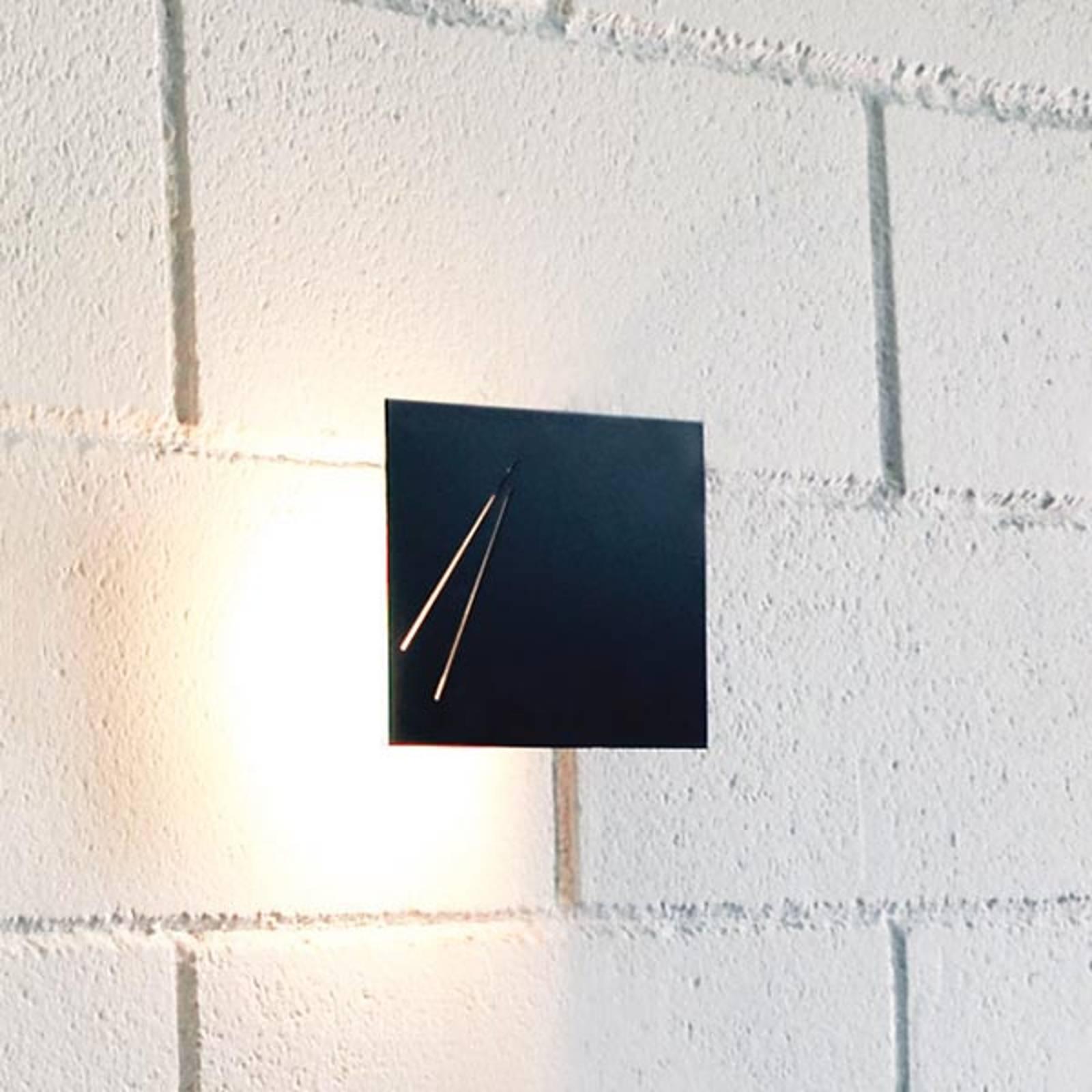 Des.agn - applique nera di design italiano