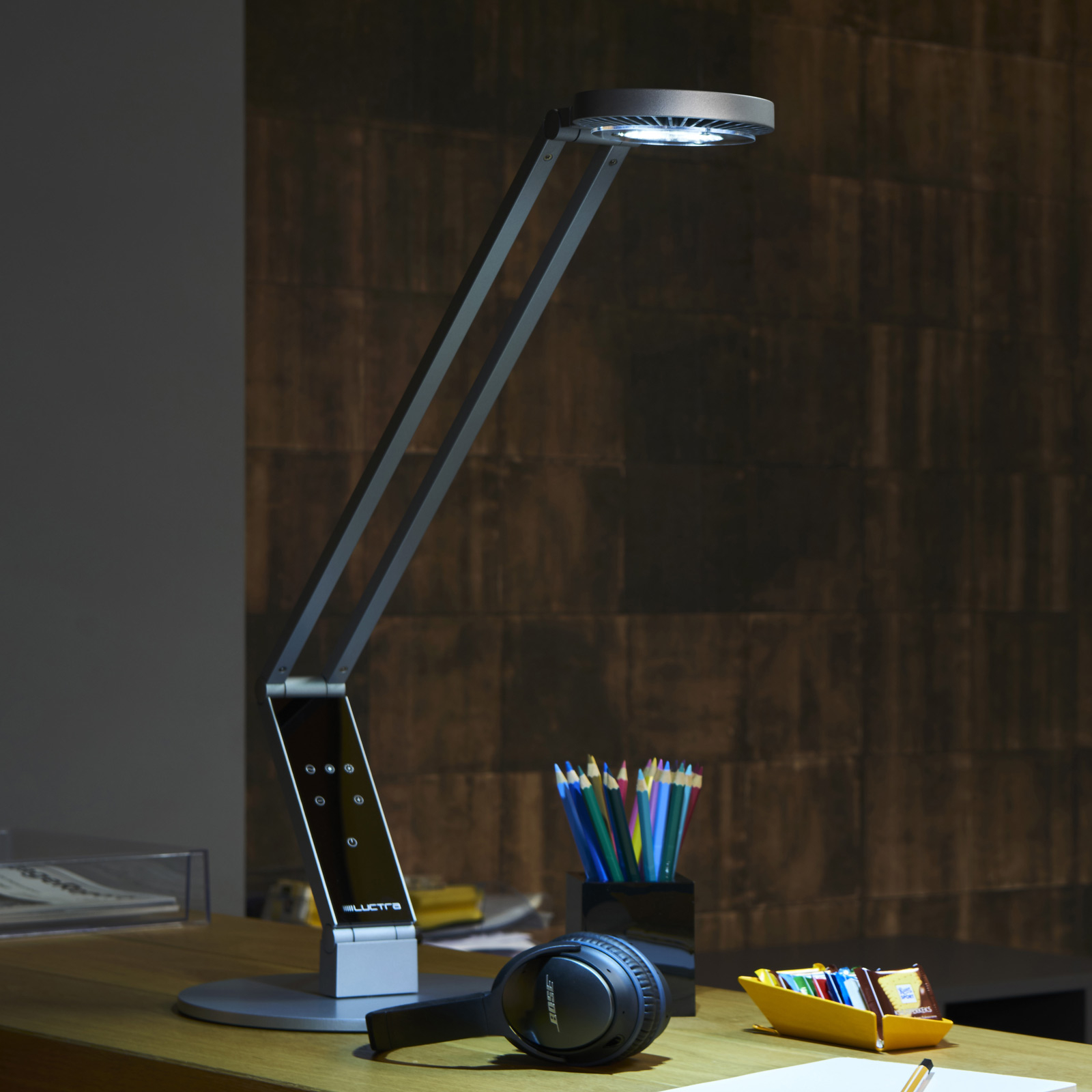 Luctra Table Radial LED-Tischleuchte Fuß alu