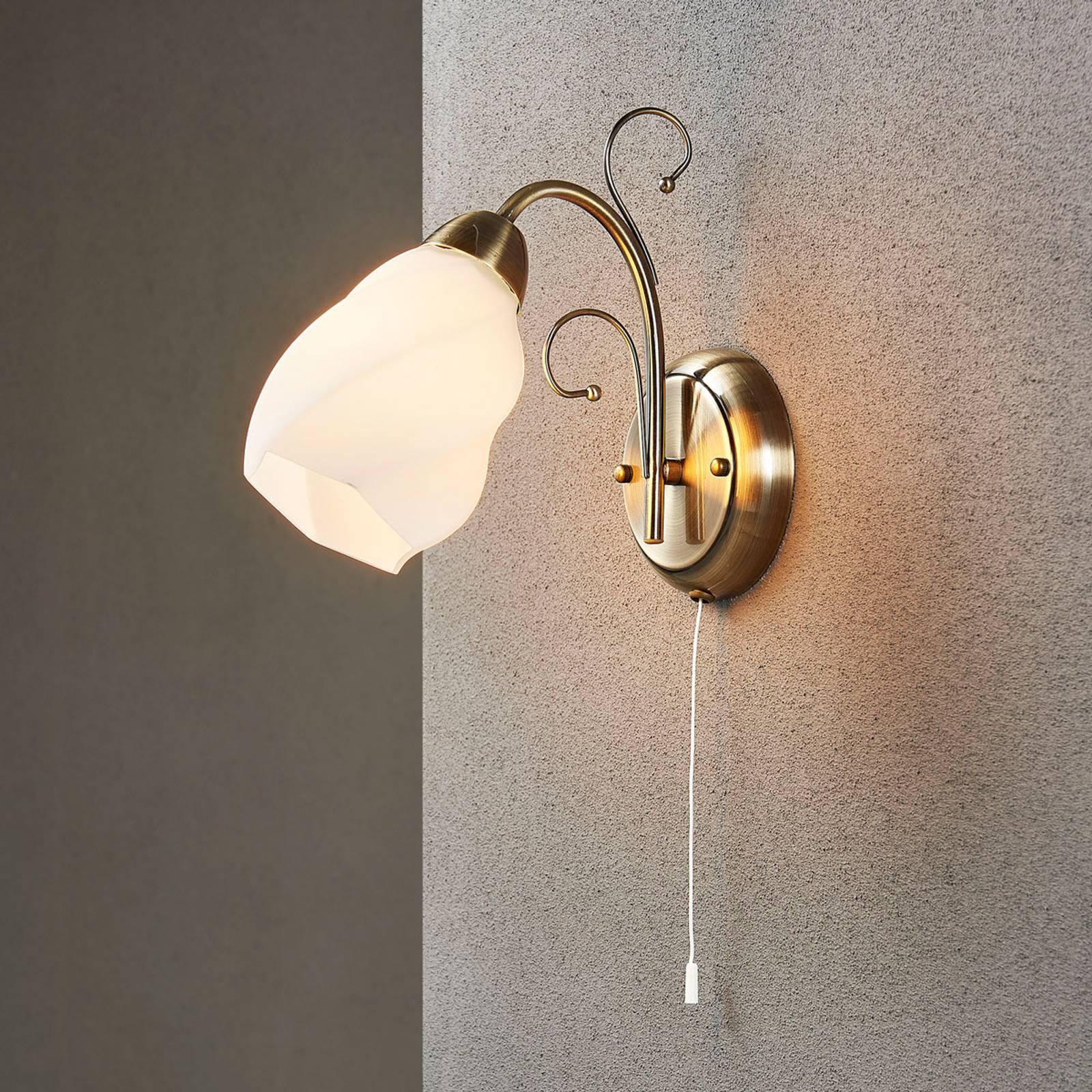 Romantisch aandoende wandlamp Amedea