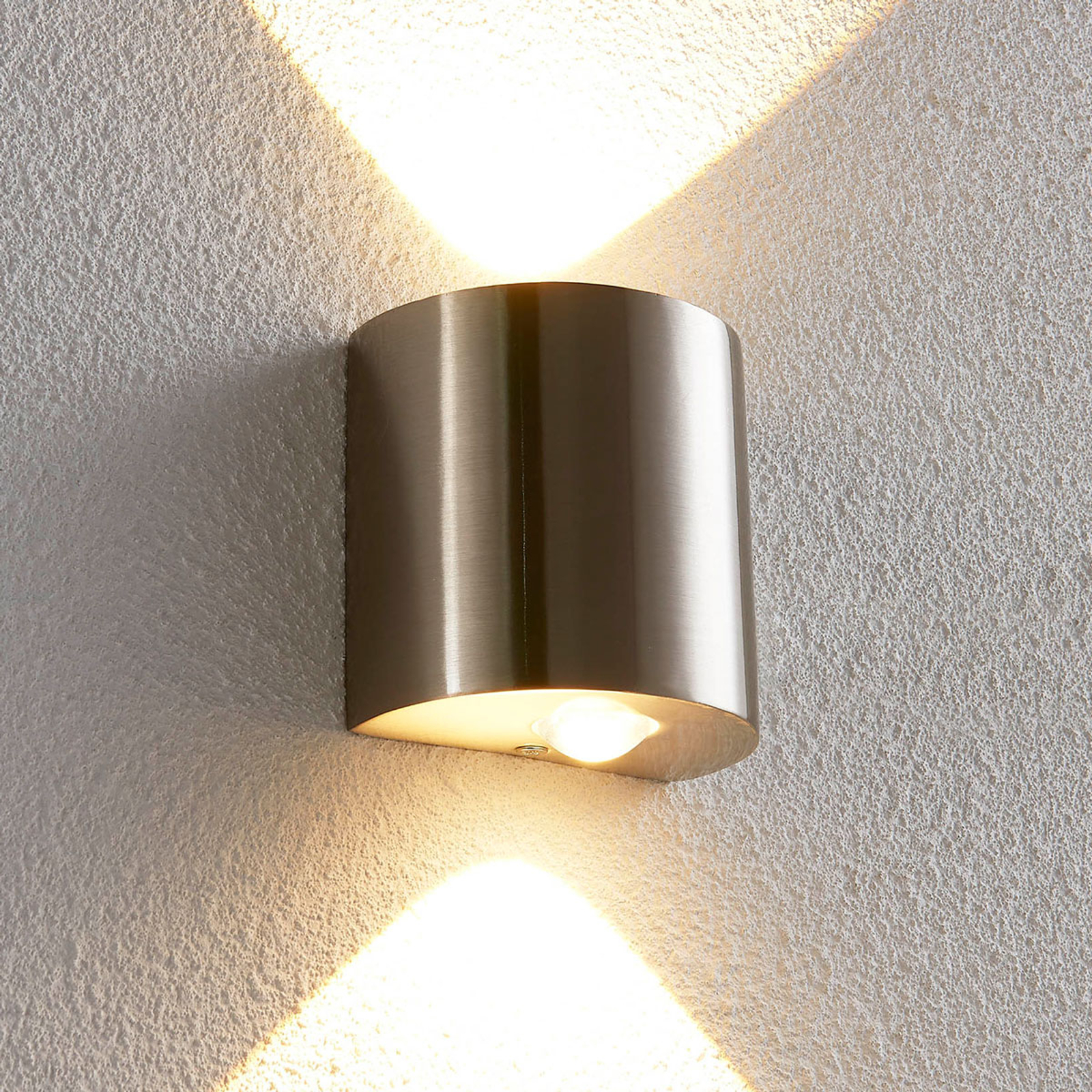 Halfronde LED wandlamp Lareen, in mat nikkel