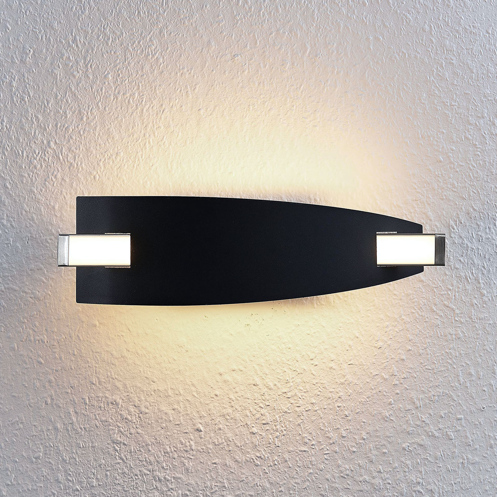LED wandlamp Marija in het zwart