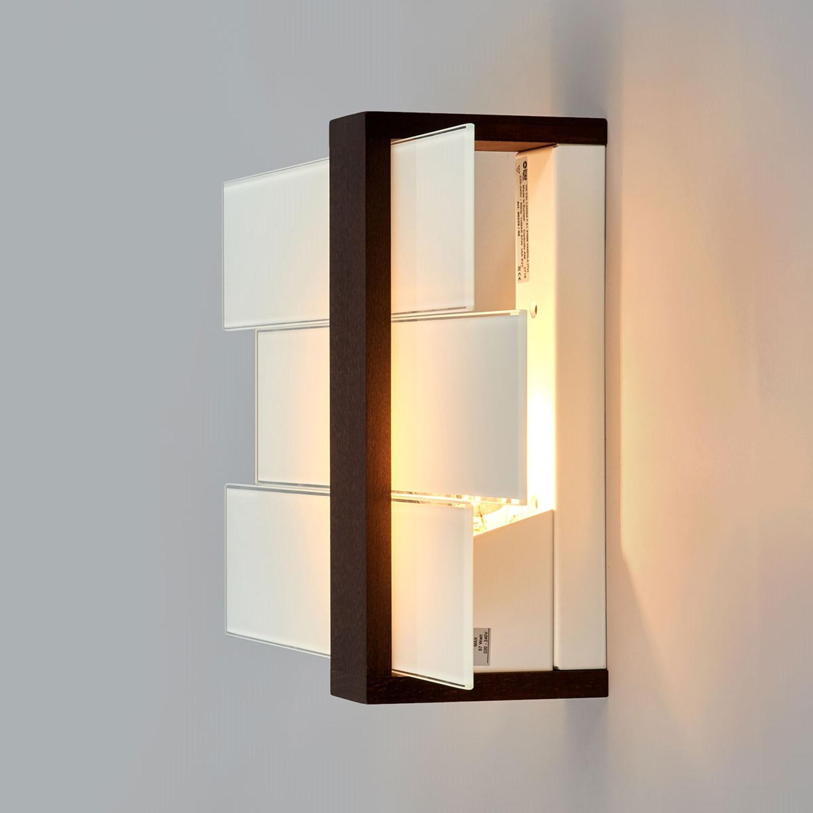 TRIAD attraktiv vägg- eller taklampa.