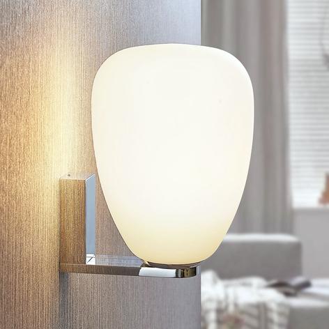 Lámpara de pared Izzie con pantalla de vidrio