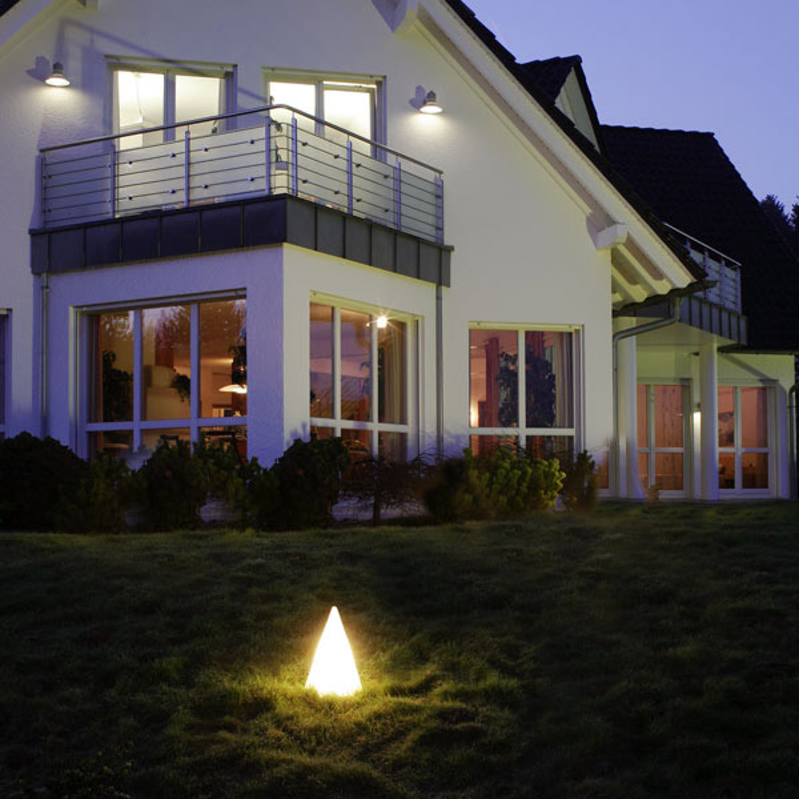 Pyramidlampa av hög kvalitet gummianslutning 36cm
