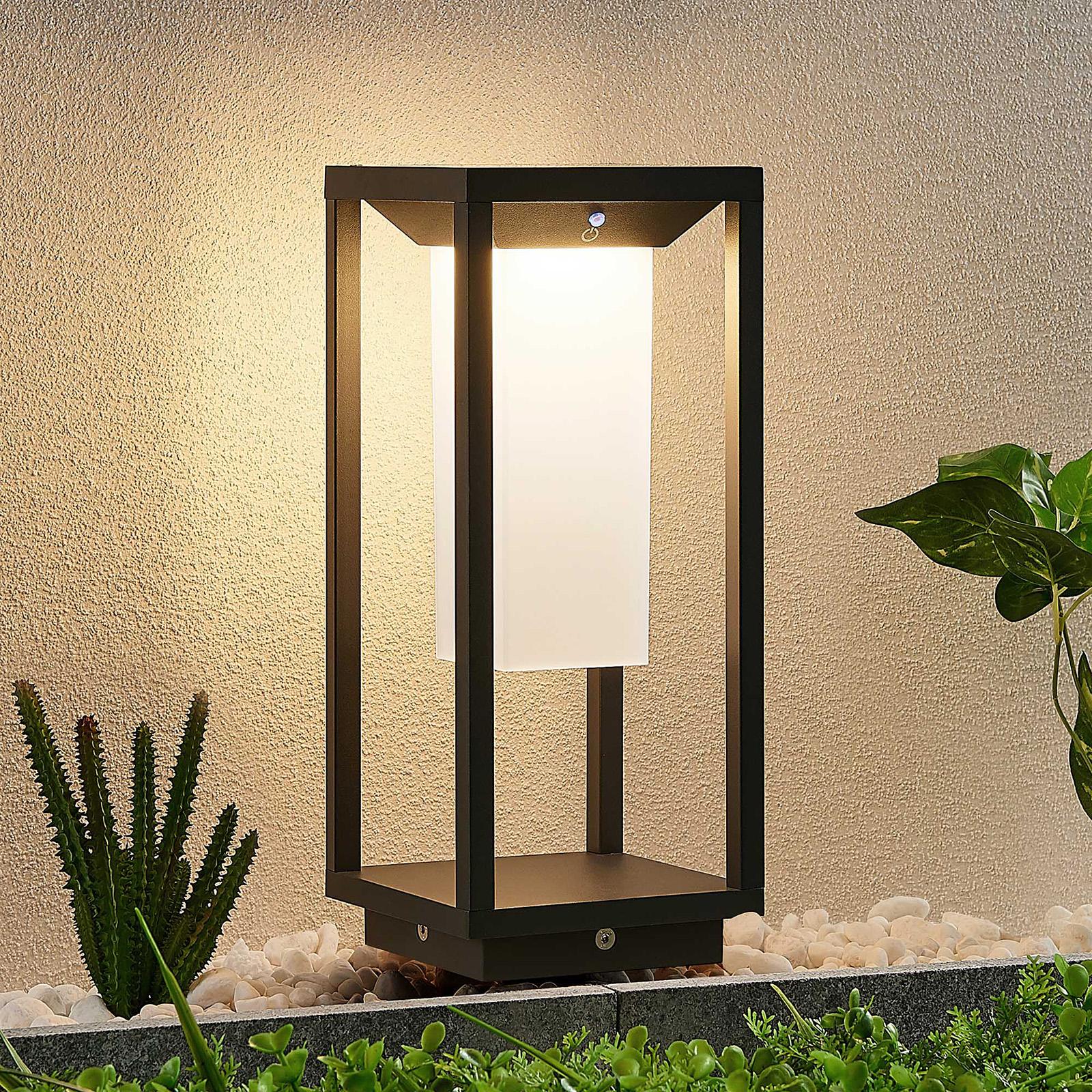 Lucande Eliel solarna lampa cokołowa LED, 34 cm