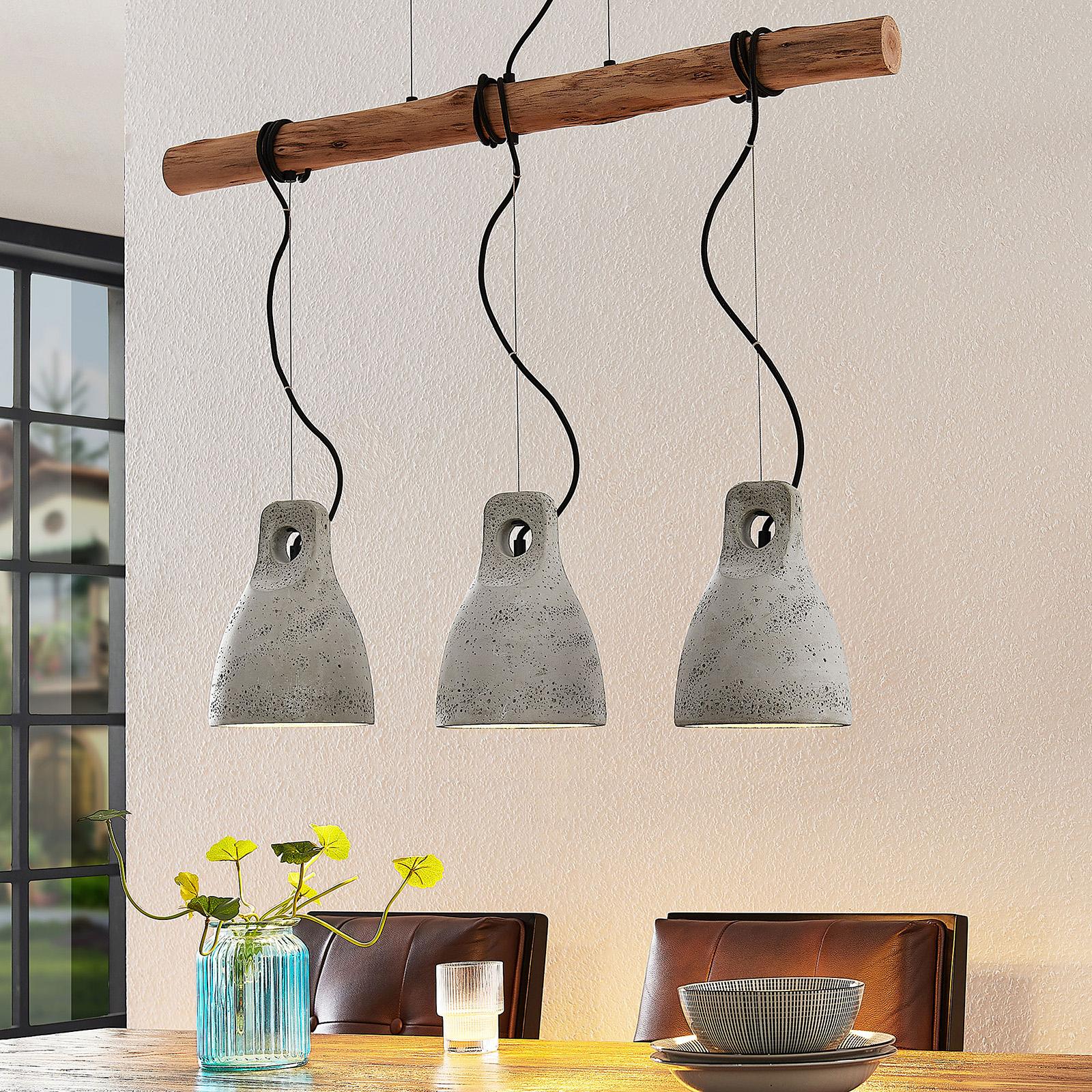 Lindby Grima závěsné světlo z betonu, tři žárovky