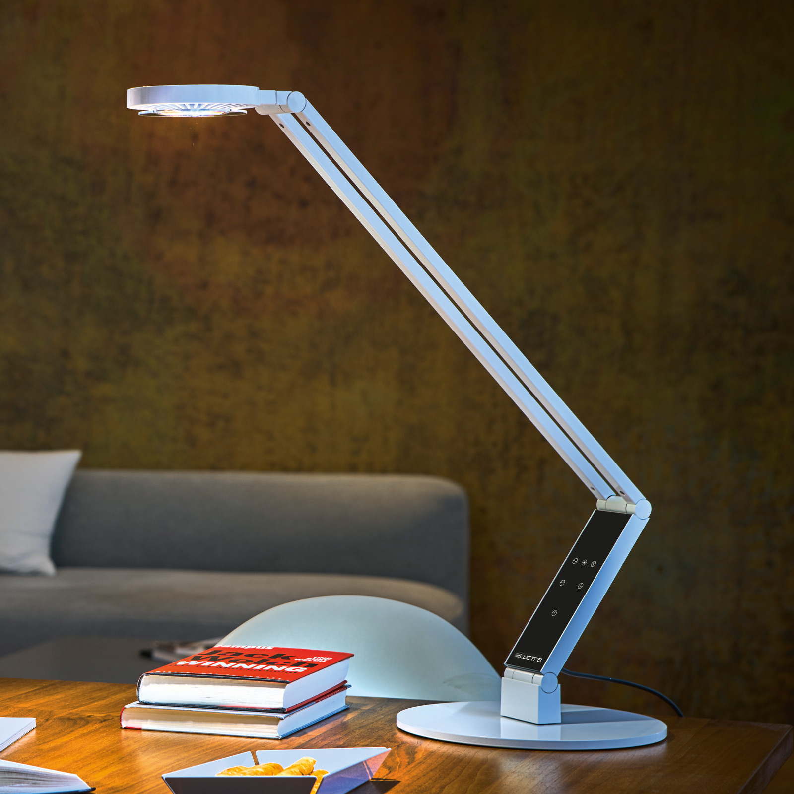 Luctra Table Radial LED-Tischleuchte Fuß weiß