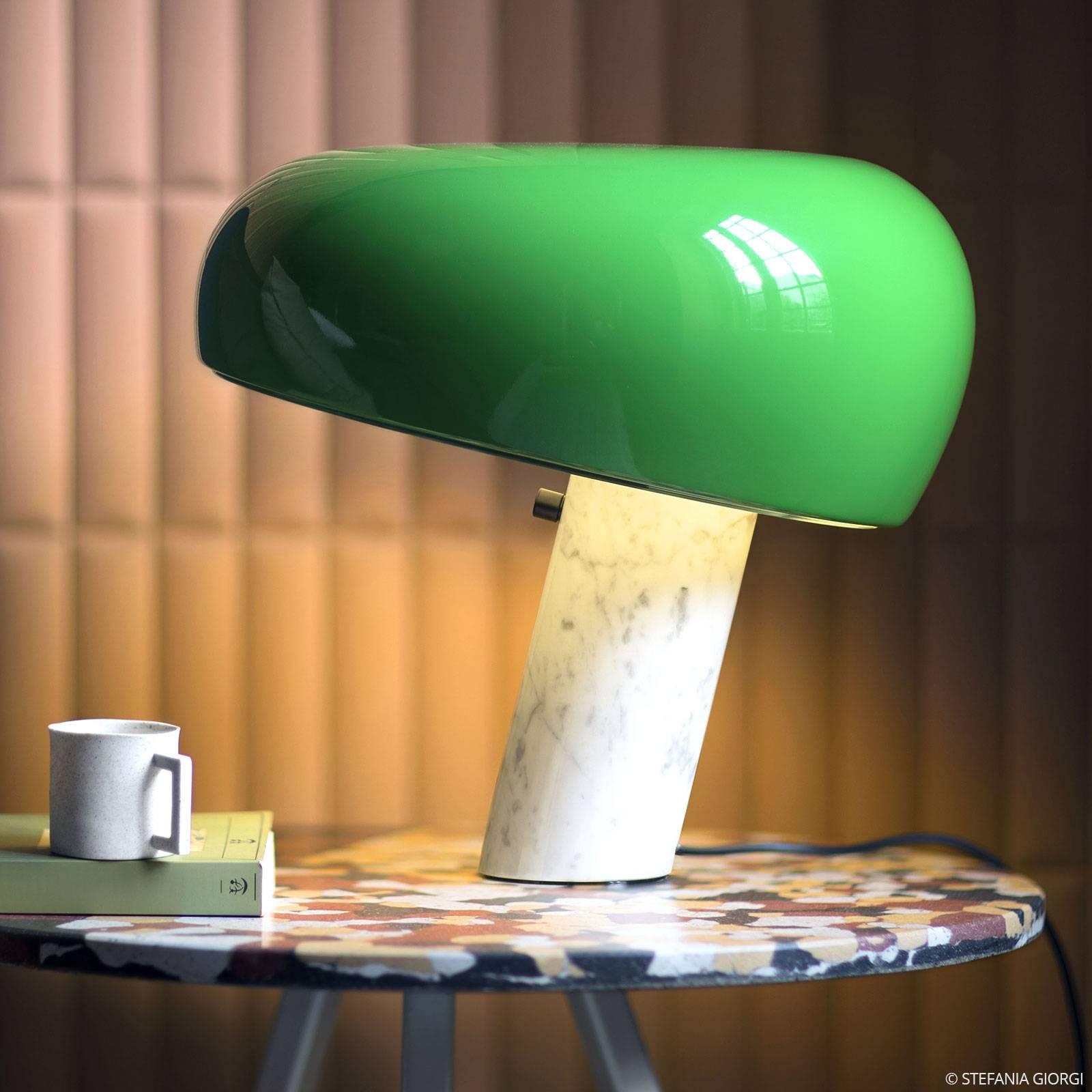 FLOS Snoopy Tischleuchte mit Dimmer, grün
