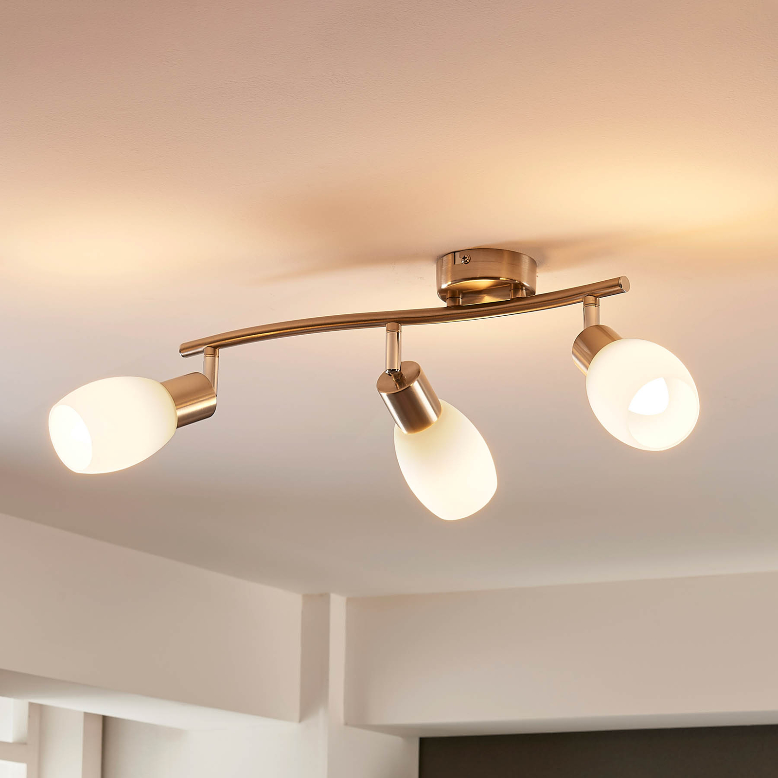Lindby Arda LED-Strahler, Glas, dreiflammig 40 cm