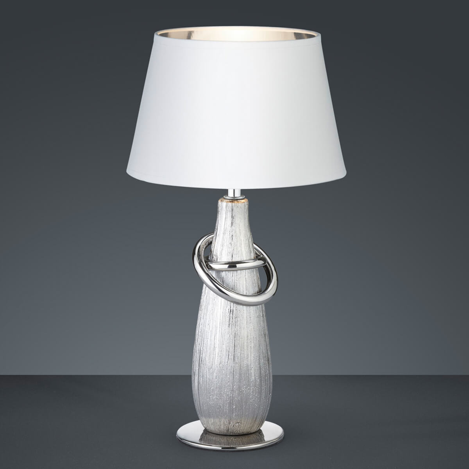 Thebes – bordlampe med sølvfarget keramikkfot