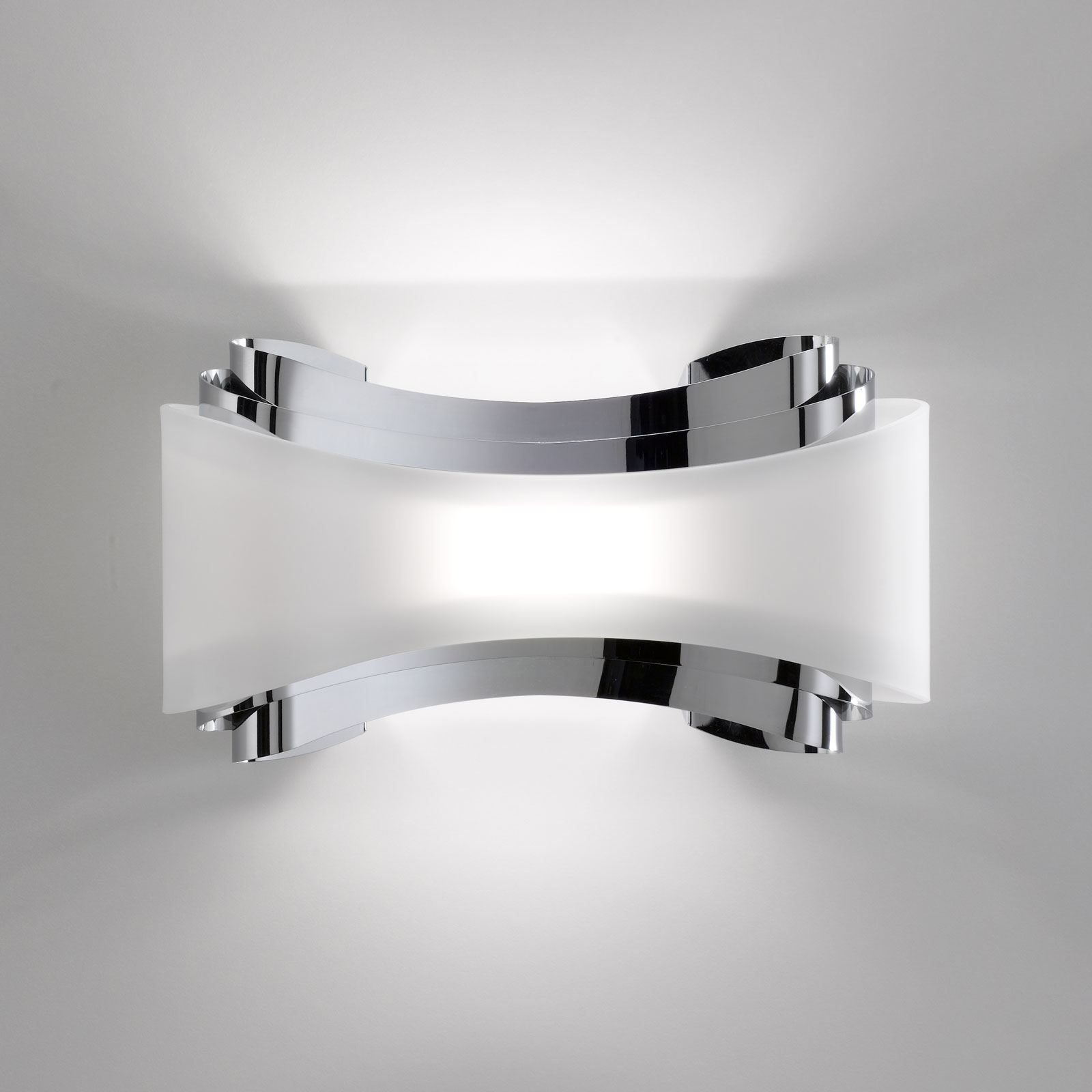 LED wandlamp Ionica met glazen plaat, chroom