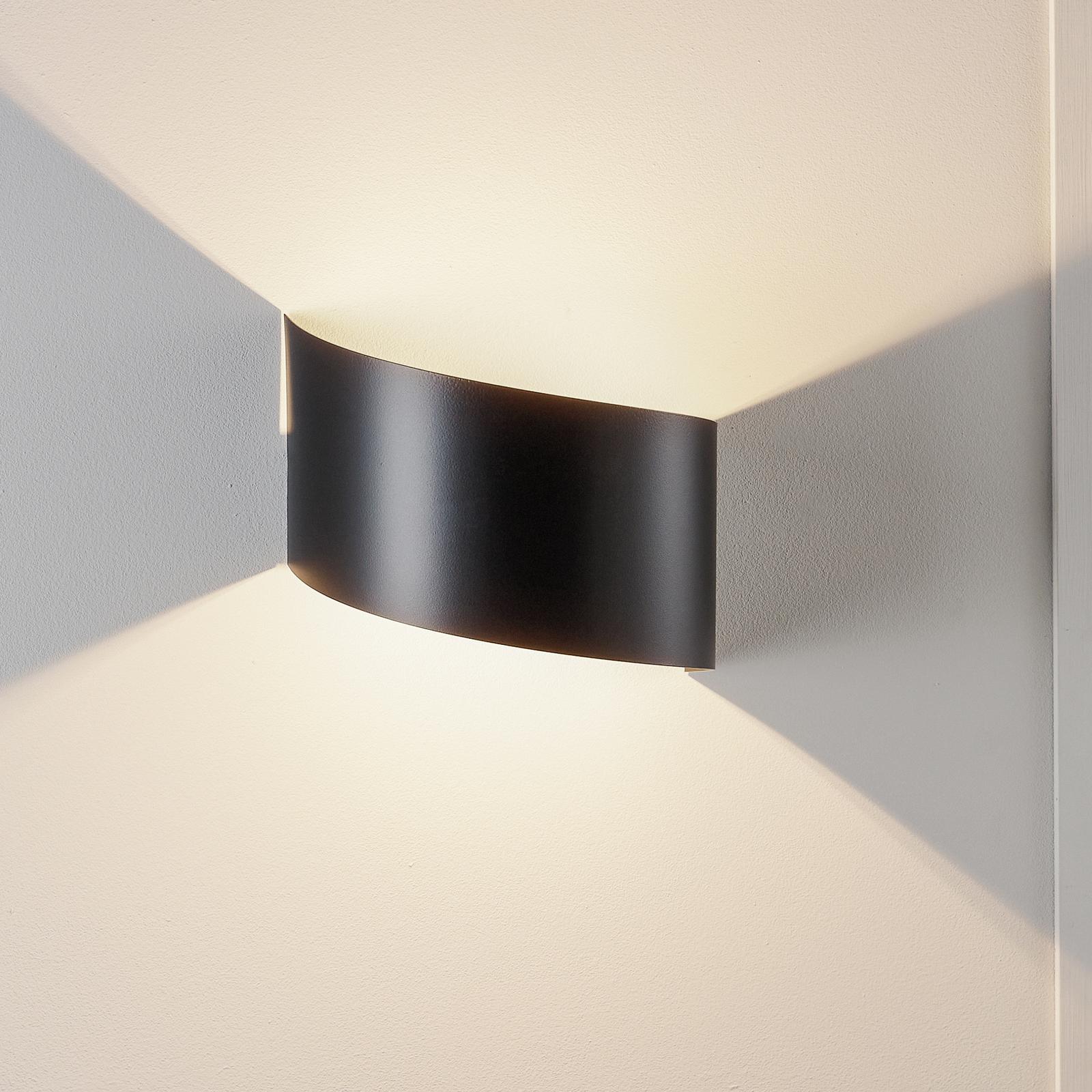 Nástěnné světlo Vero z lakované oceli, černá