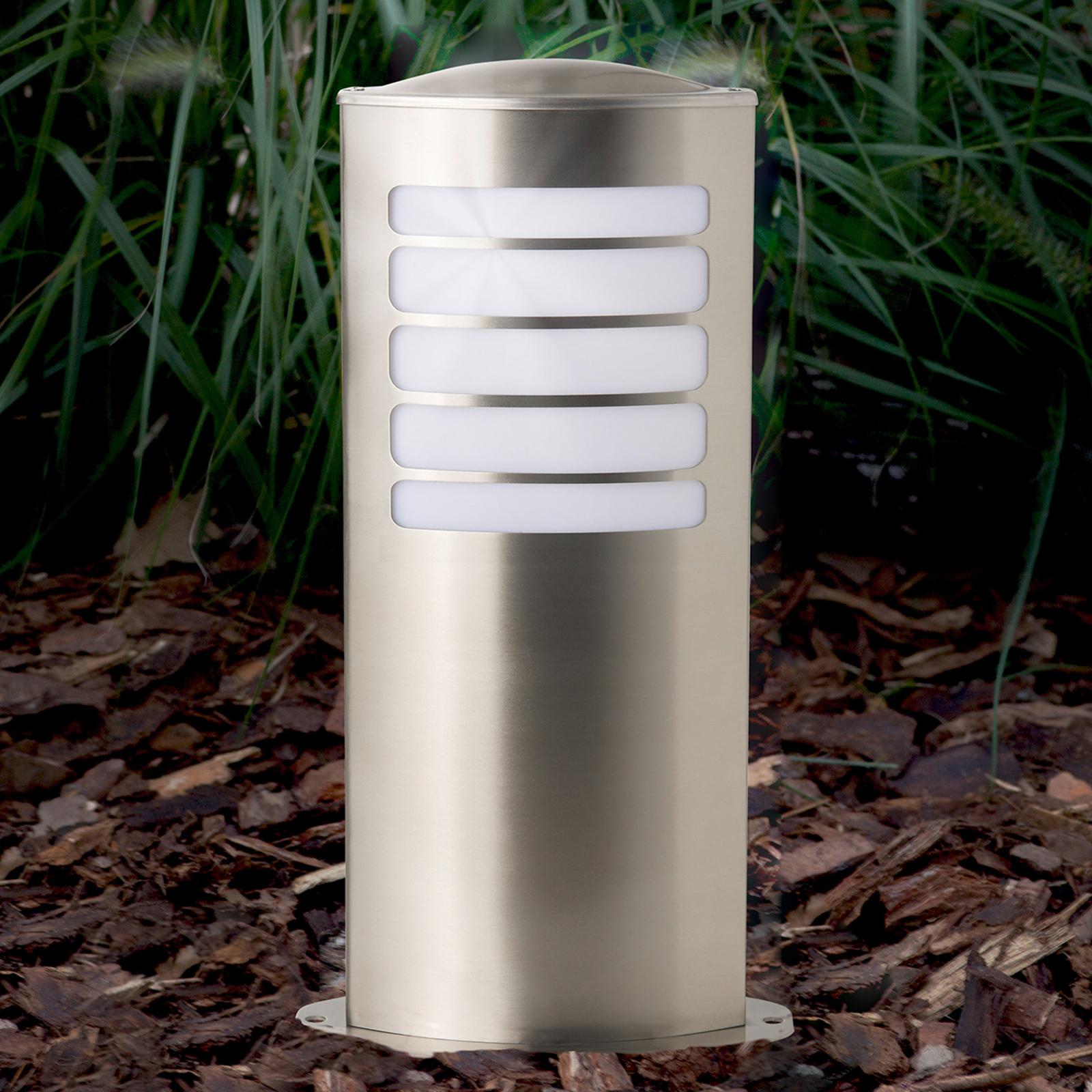 Todd - en oval sockellampa av rostfritt stål