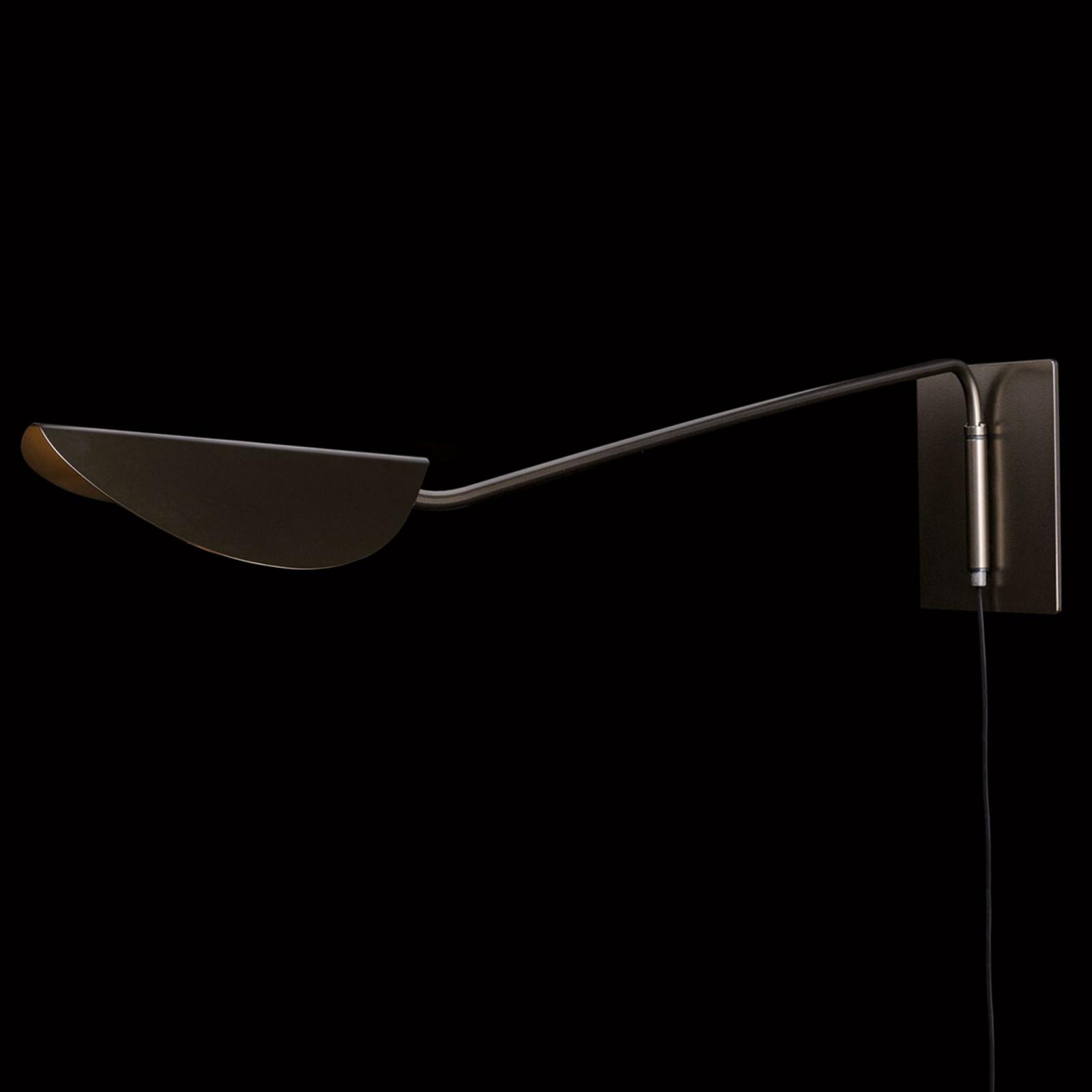 Oluce pluim wandlamp - bereik 80 cm