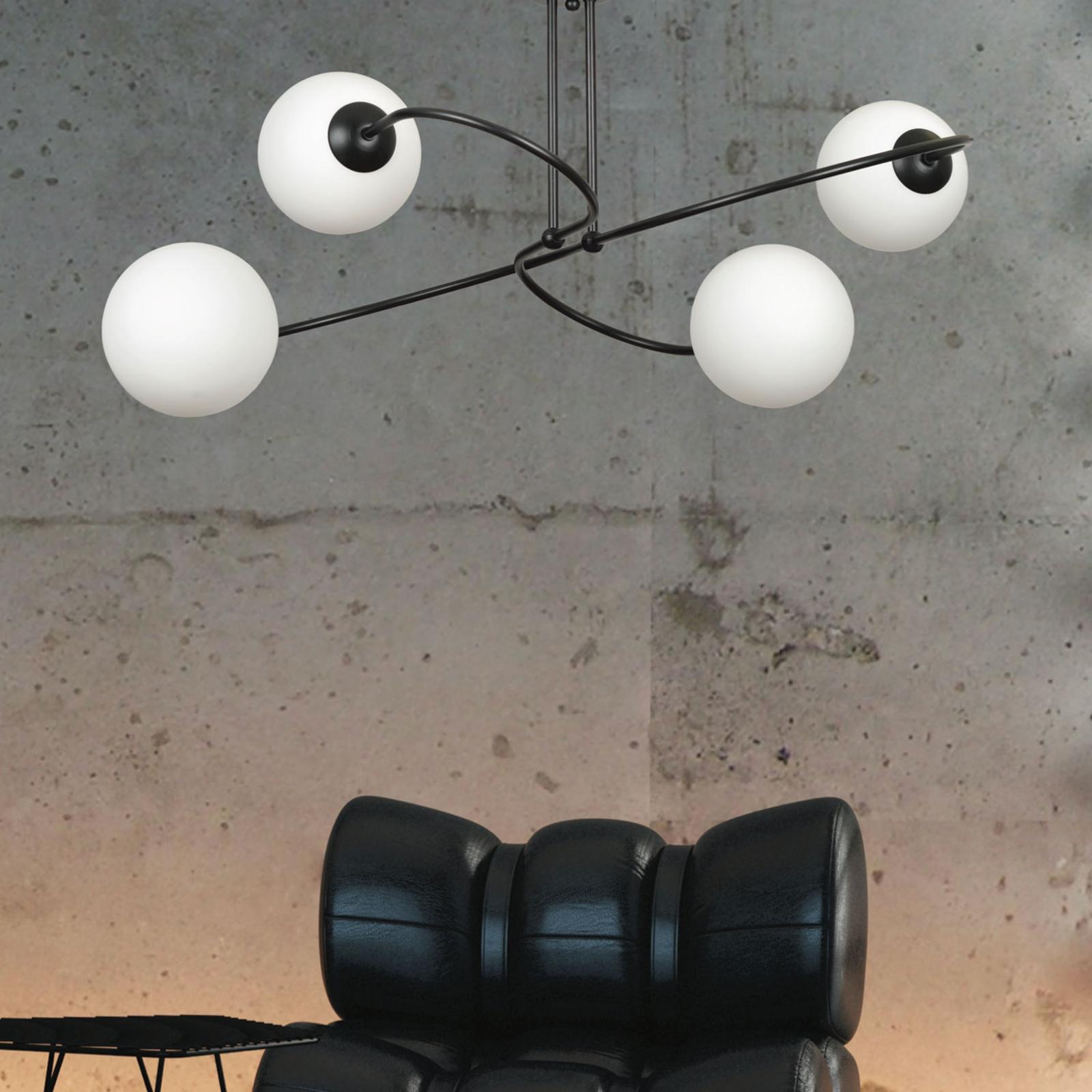 Taklampe Selbi 4 i svart med glasskuler
