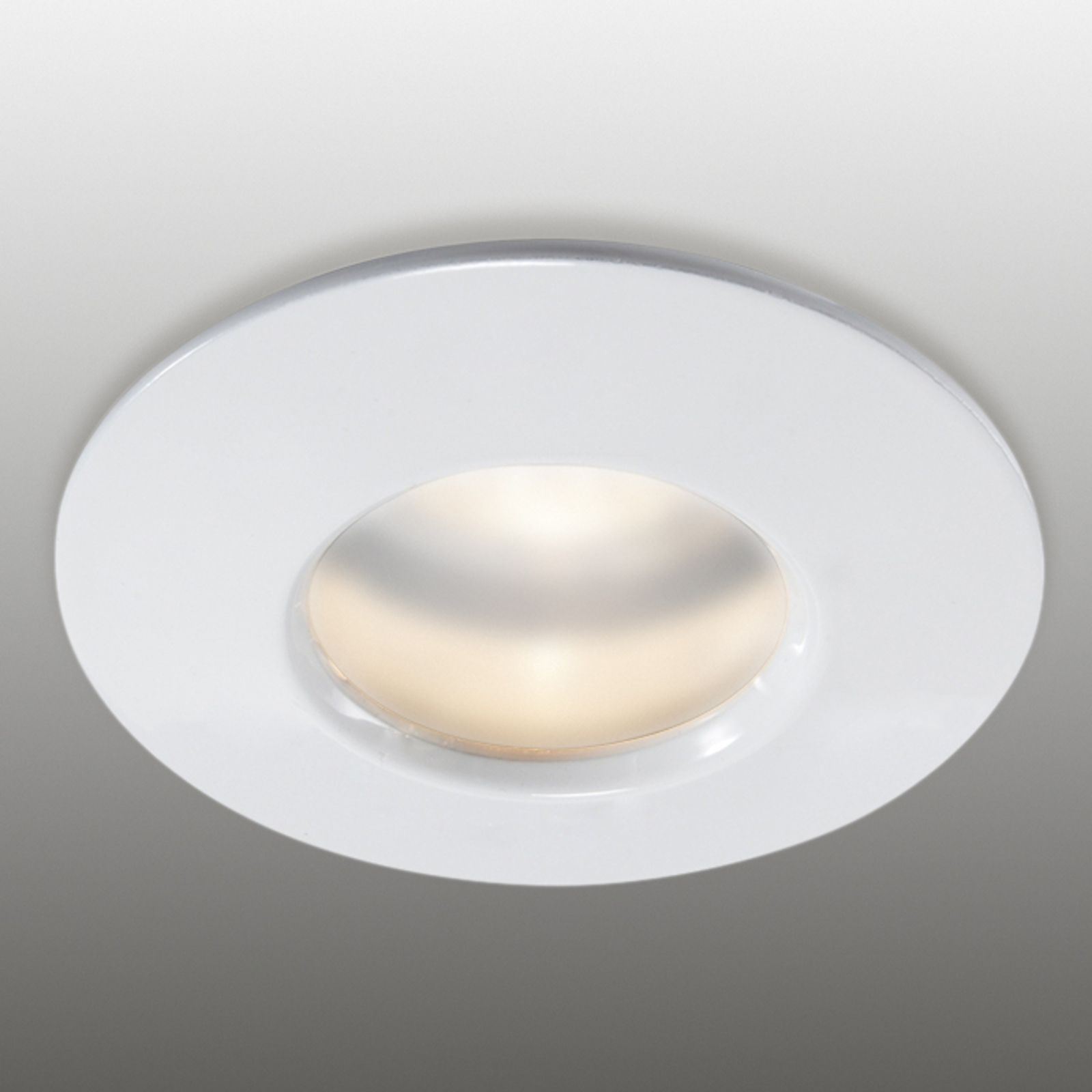Stały pierścień wpuszczany biały