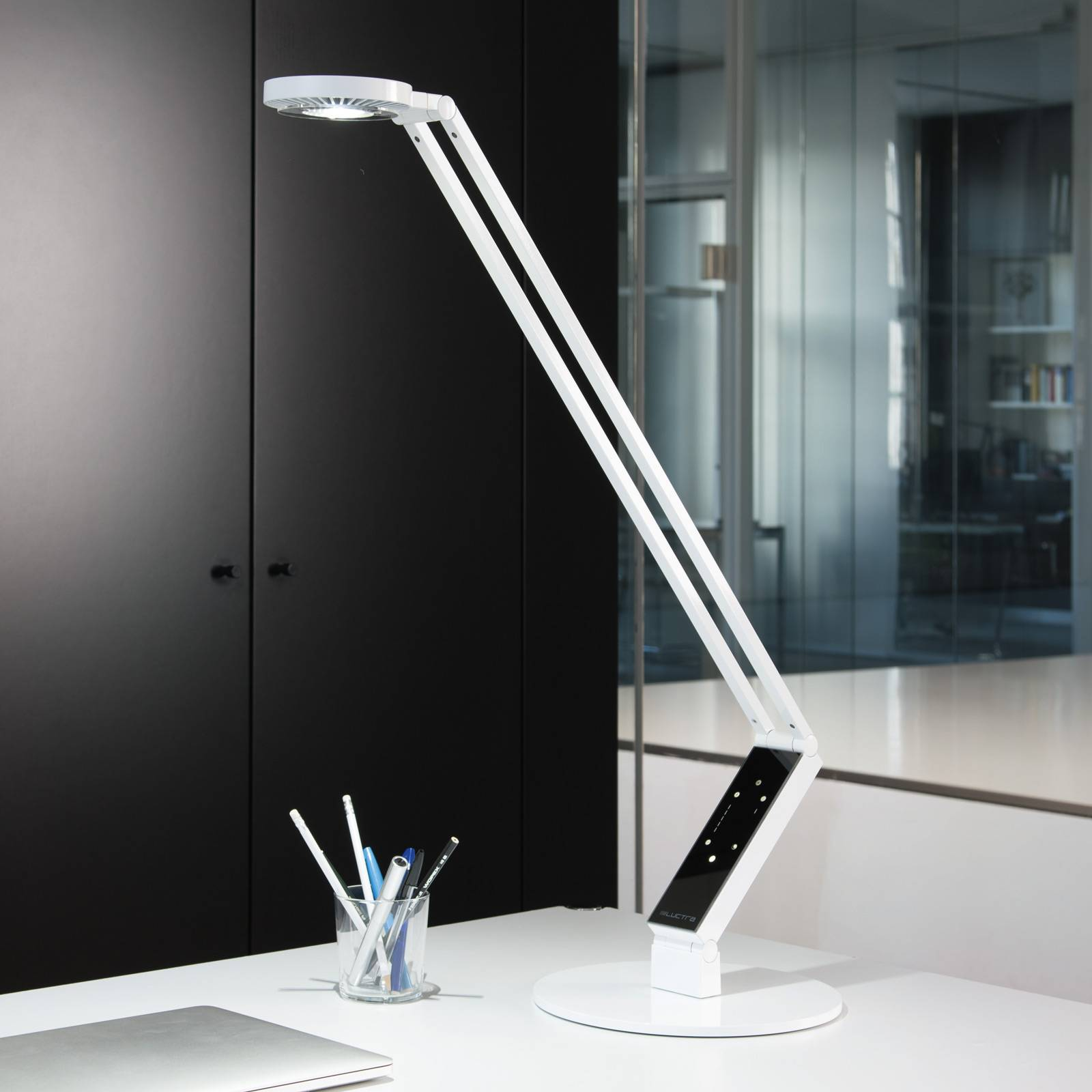 Luctra LED tafellamp TableProRadial voet wit