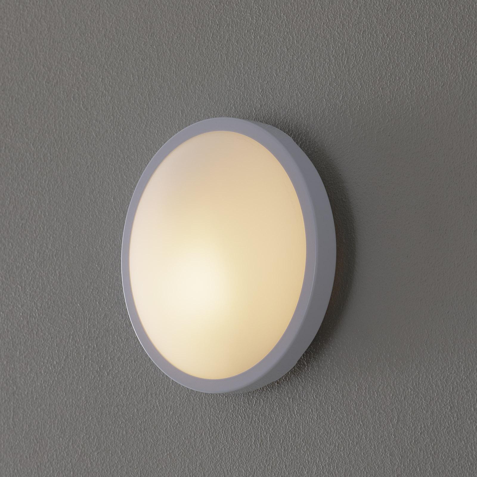 Hvit PLAZA taklampe og vegglampe i glass 21,5cm