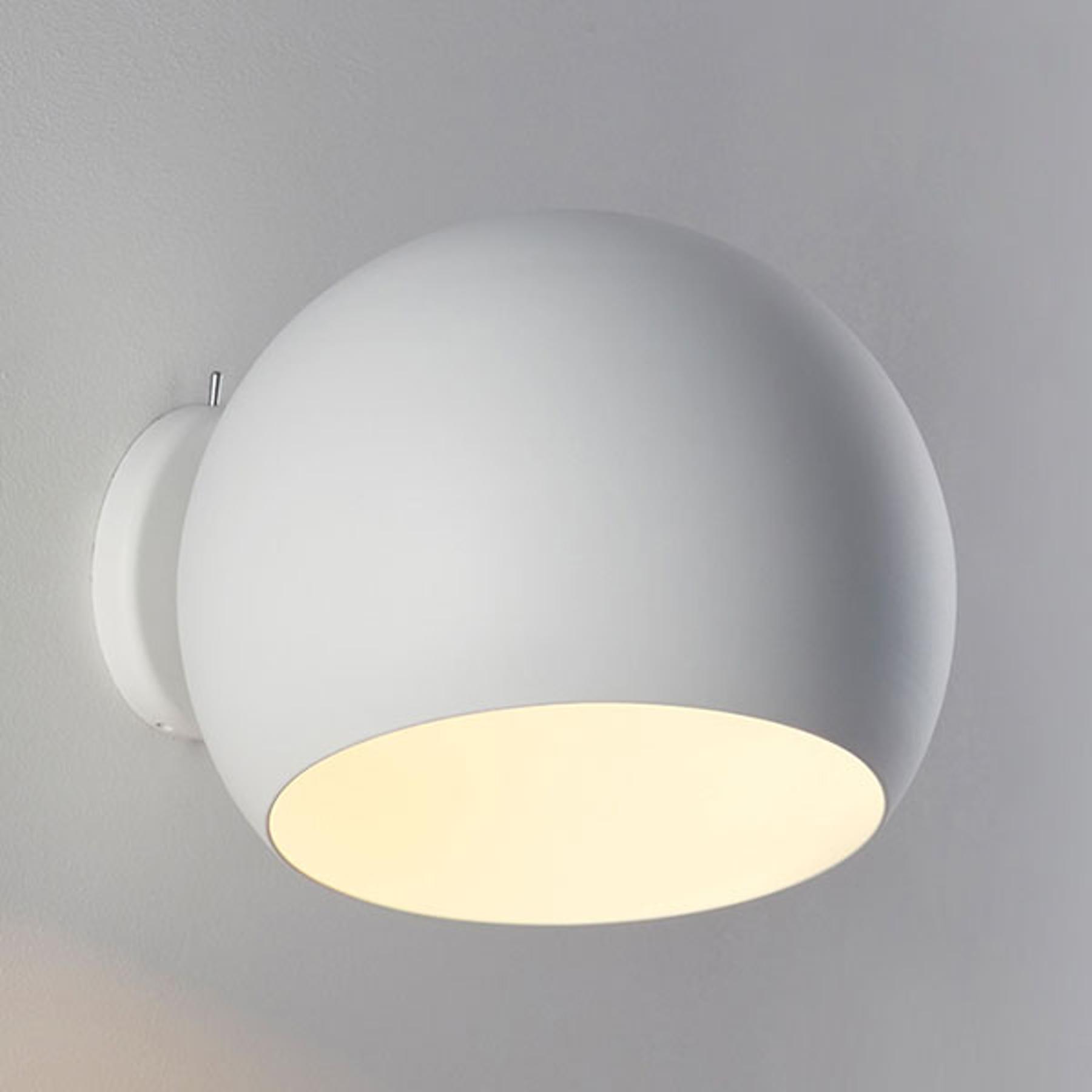 Nyta Tilt Globe Wall Short wandlamp wit